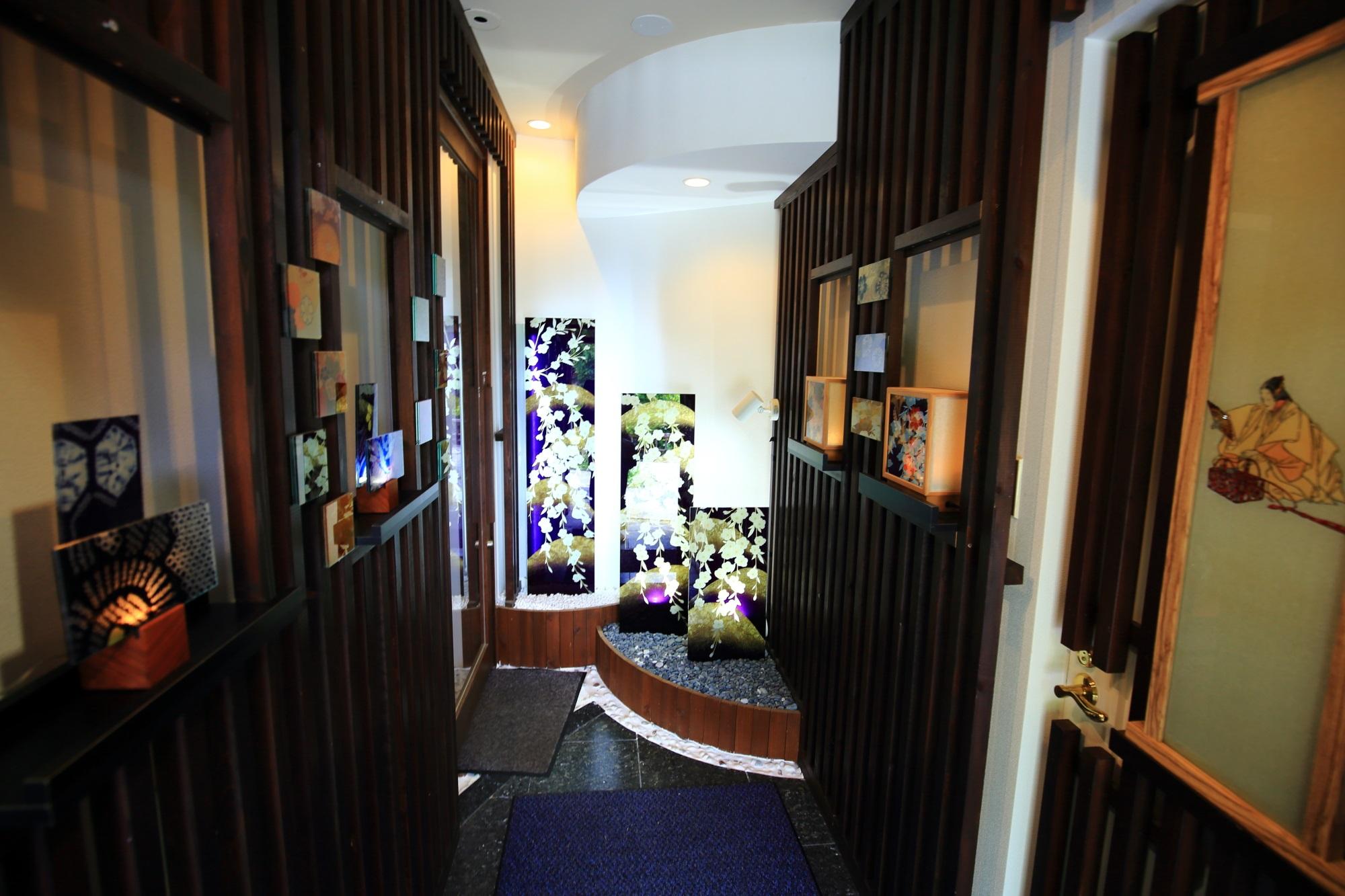 和硝子屋 祇園ギャラリー入口 廊下