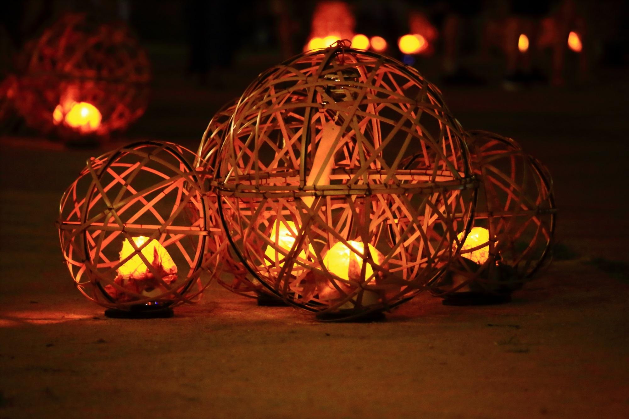 京の七夕鴨川会場の納涼の風鈴灯