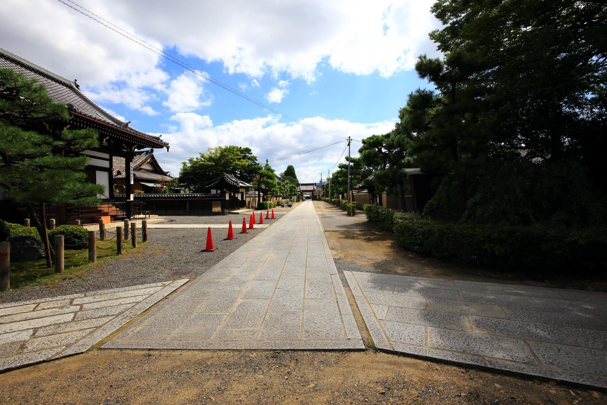 浄福寺の境内