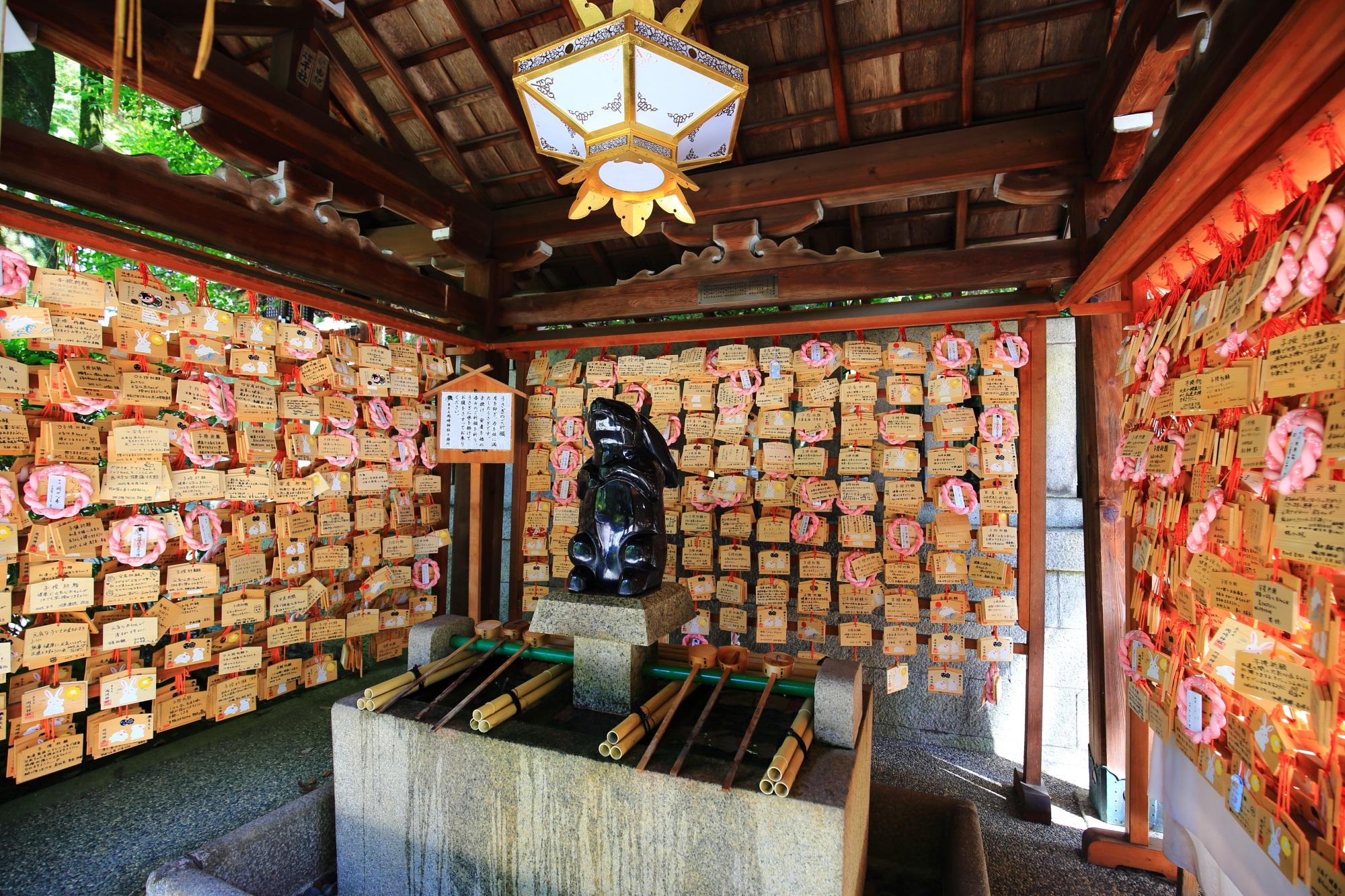 岡崎神社の子授けうさぎ