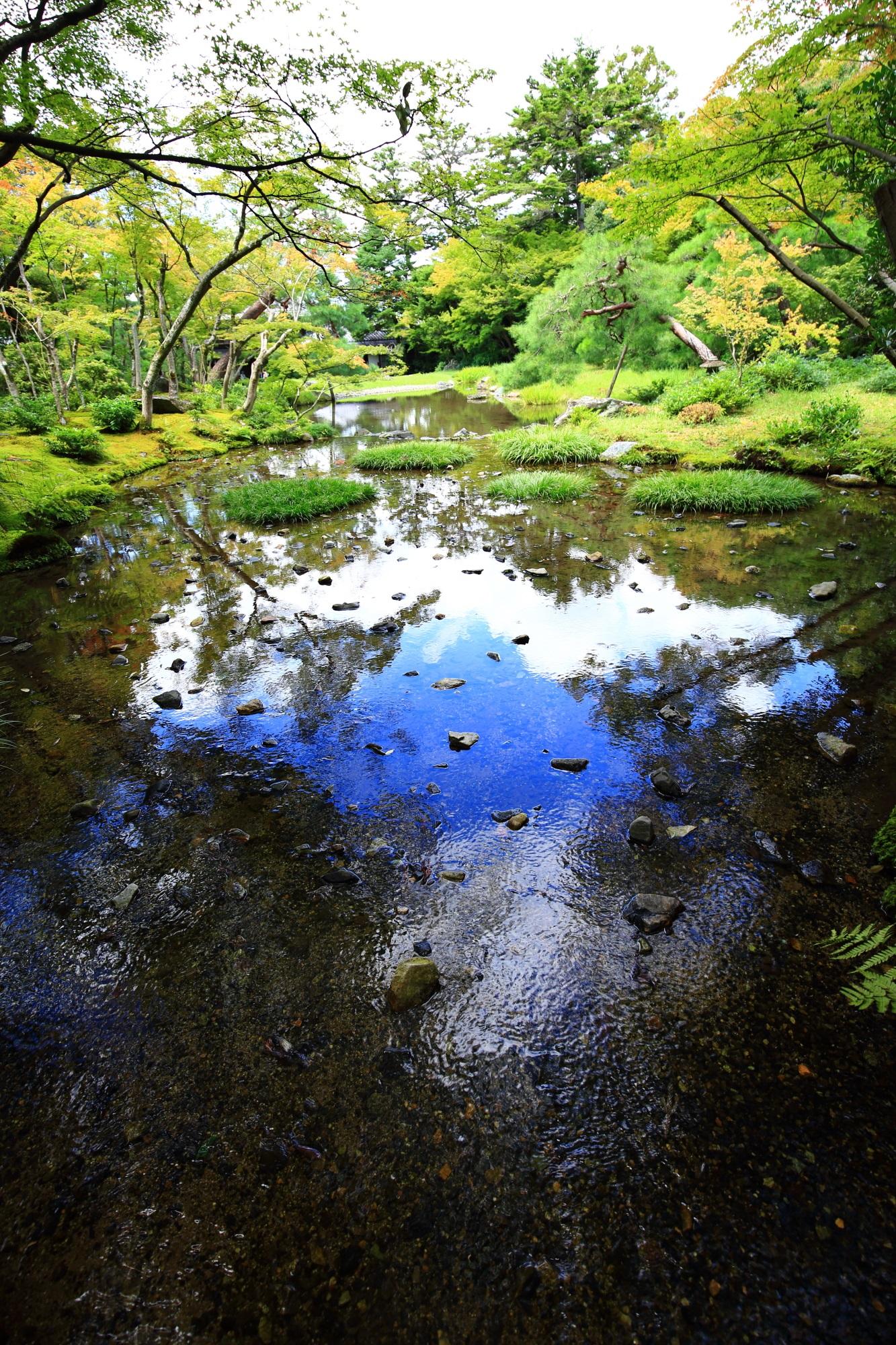 無鄰菴(むりんあん)の優美な池泉回遊式庭園