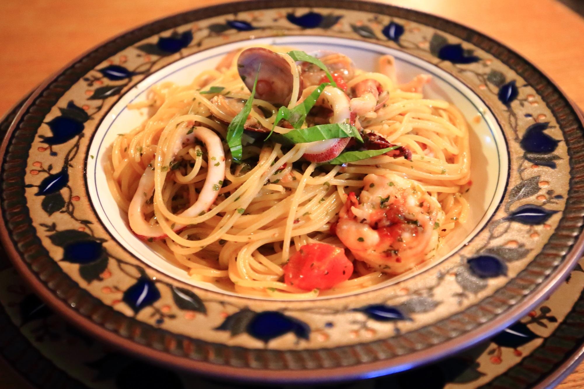 スパゲティ専門店カルドの海の幸のガーリックオイルスパゲティ