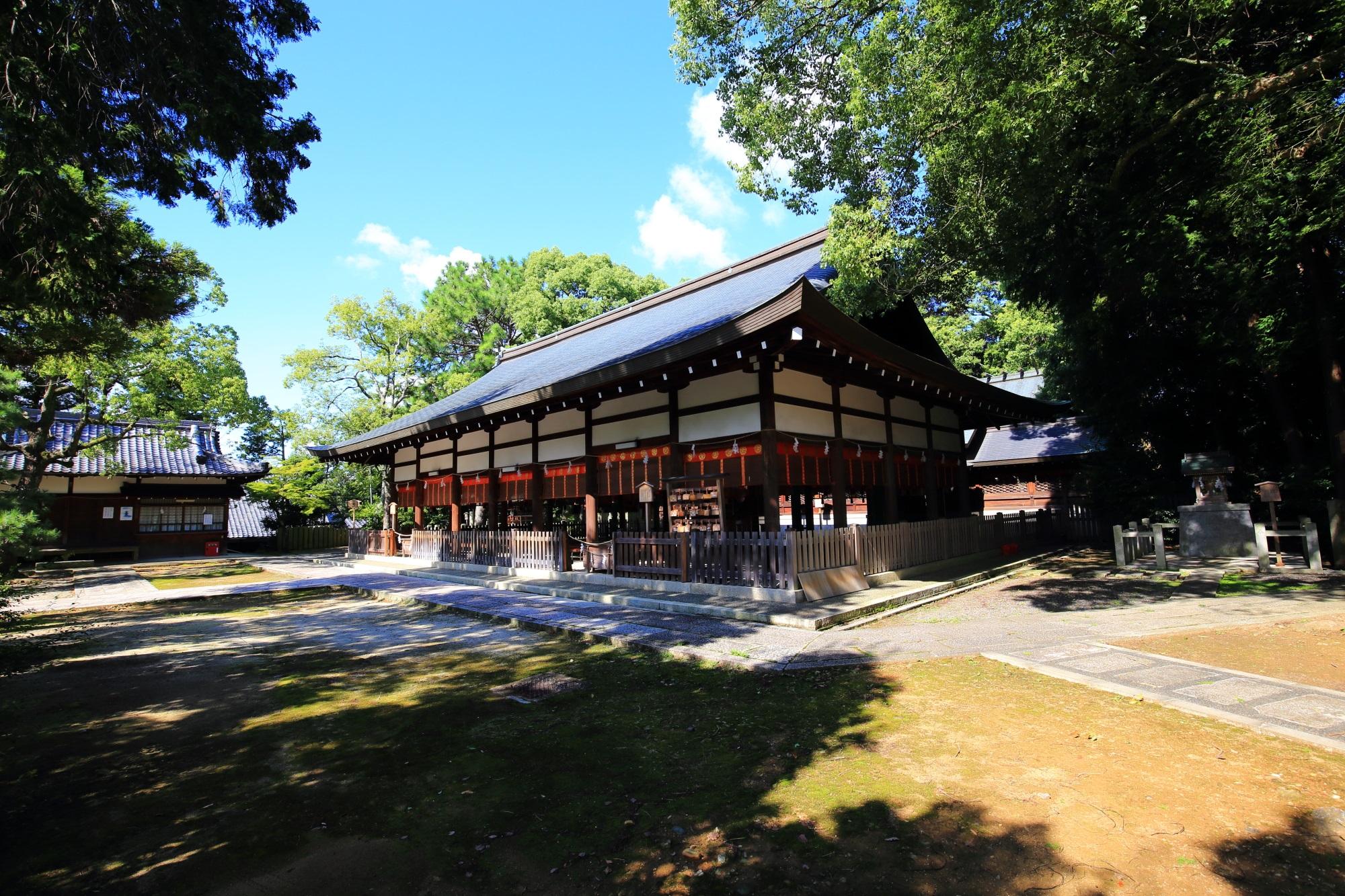 京都宗忠神社の拝殿