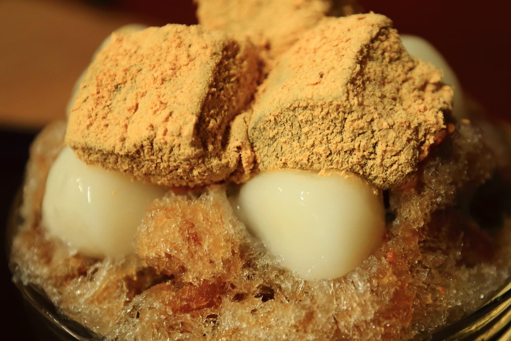かき氷(黒糖白玉+黒糖わらび餅 甘党茶屋 梅園 河原町店