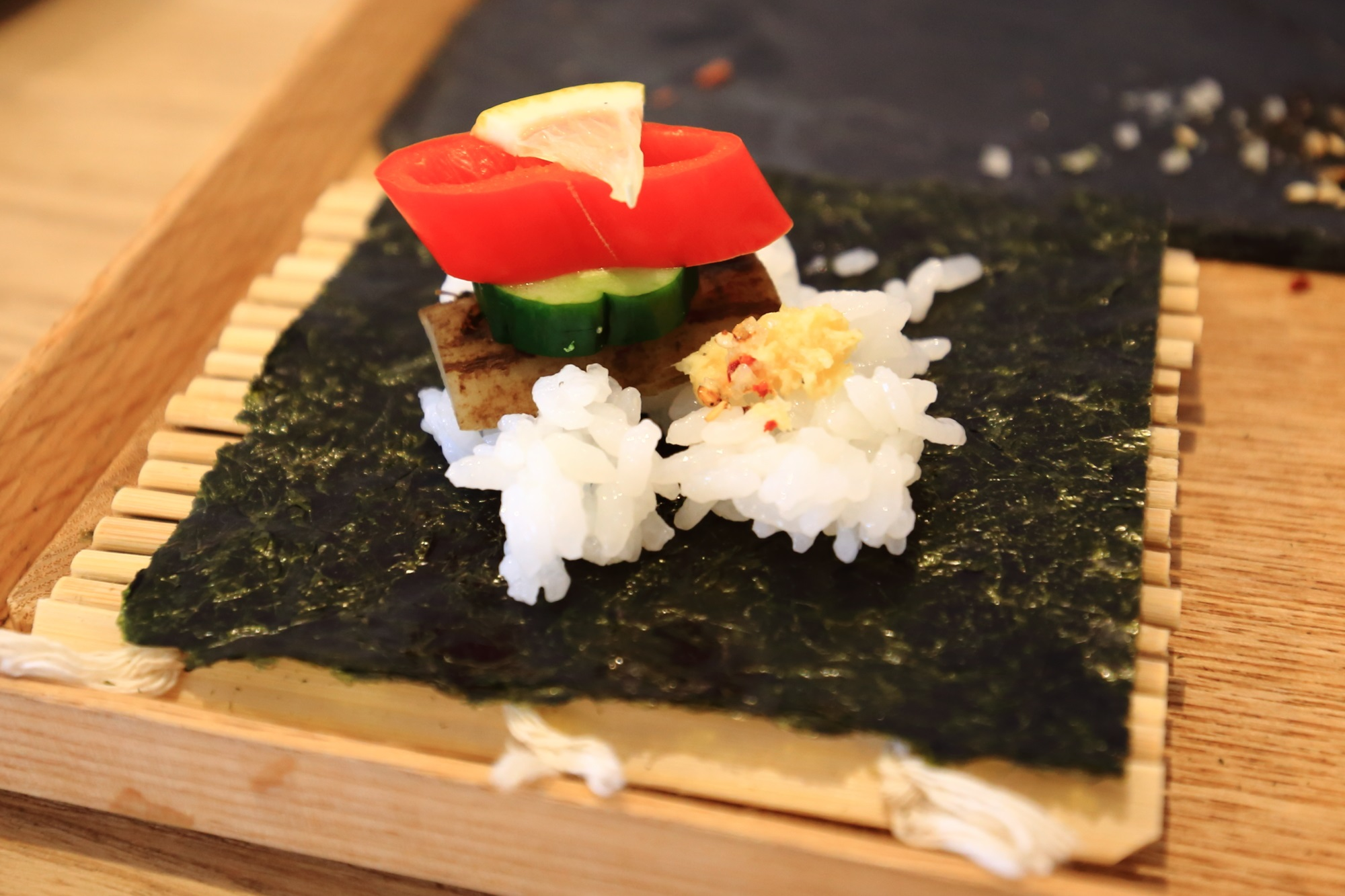 手織り寿し アウーム 手巻き寿司 綺麗で可愛い