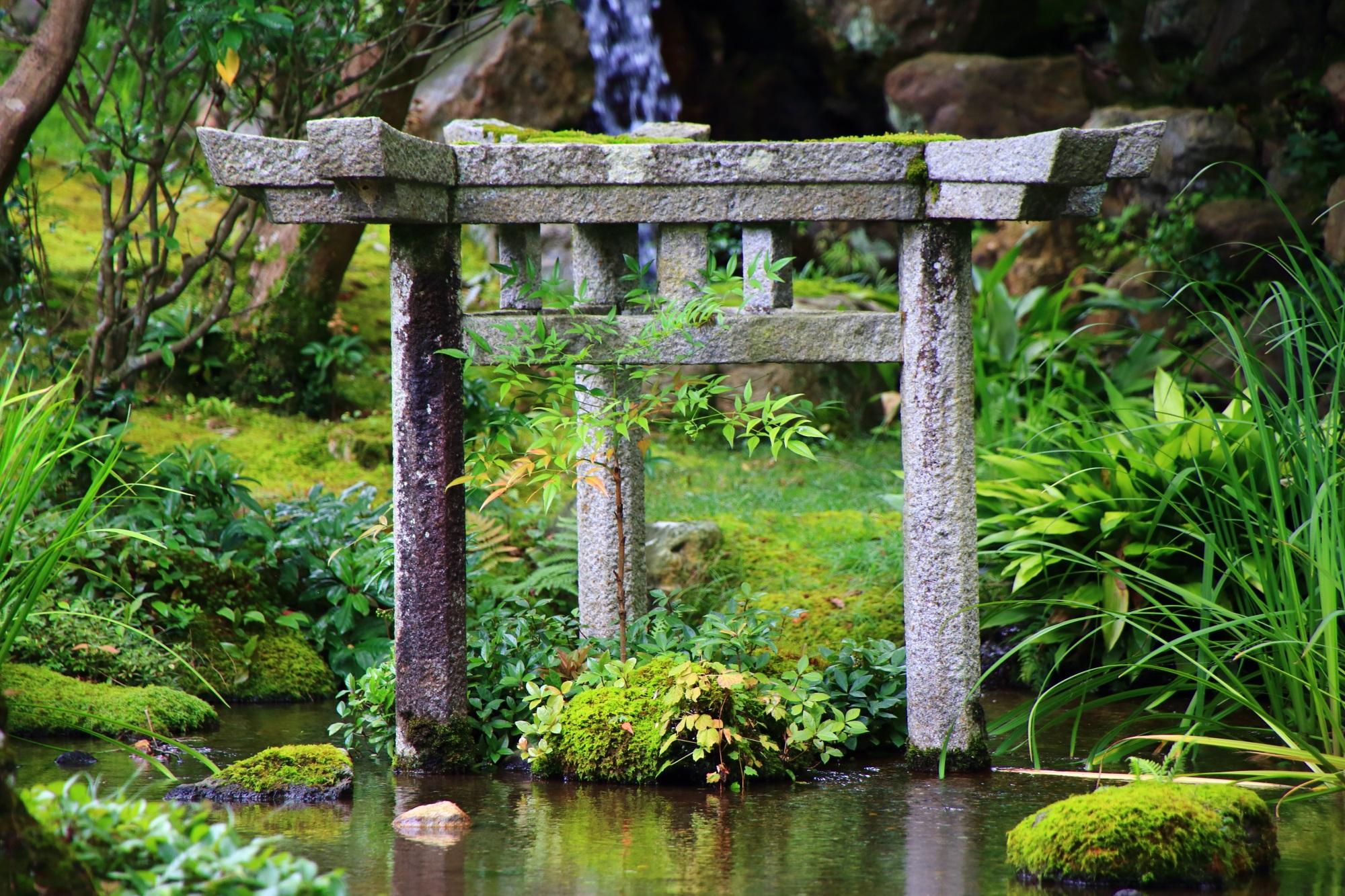 京都南禅寺大寧軒の三柱鳥居