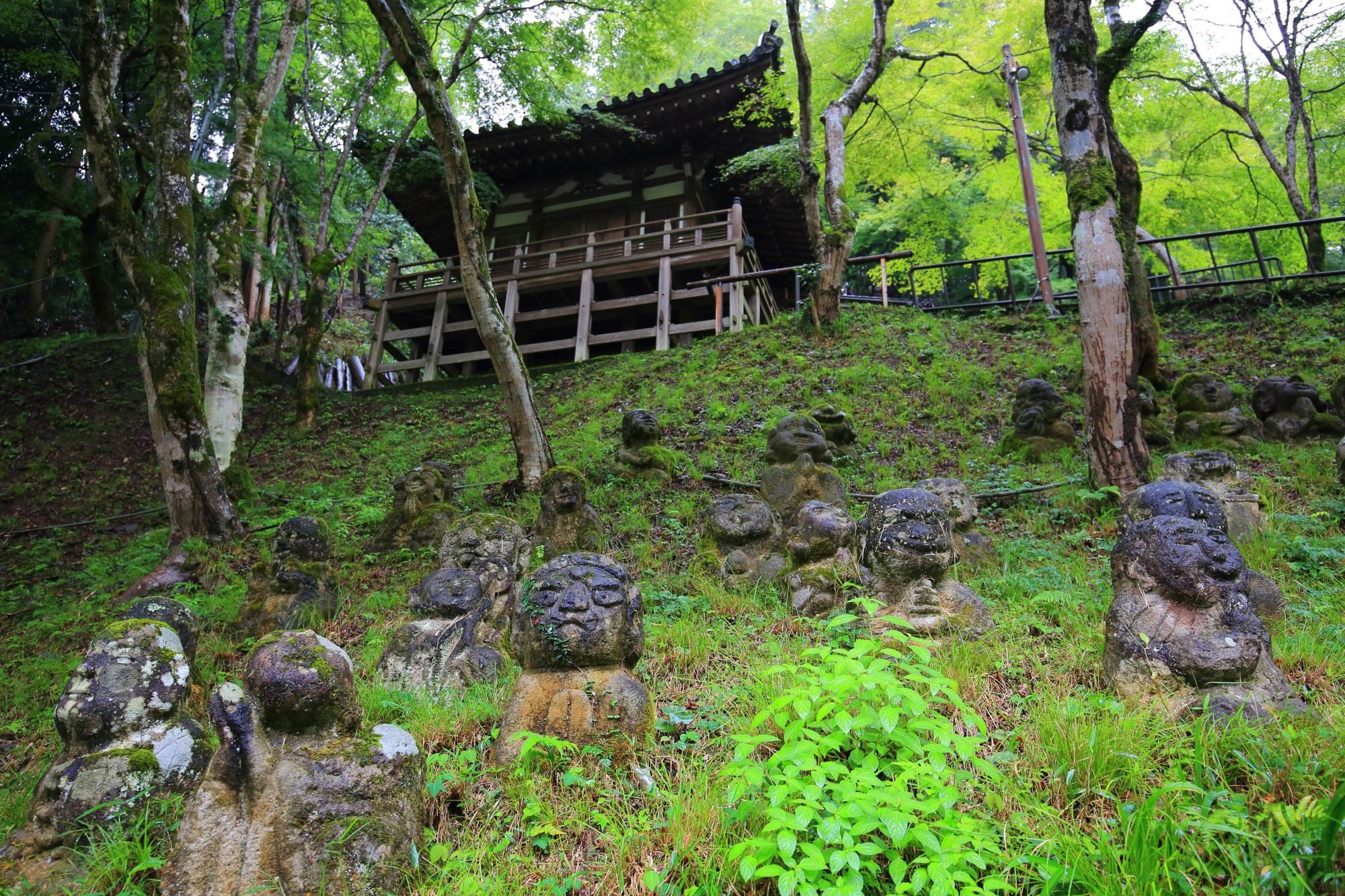 愛宕念仏寺の地蔵堂と千二百羅漢