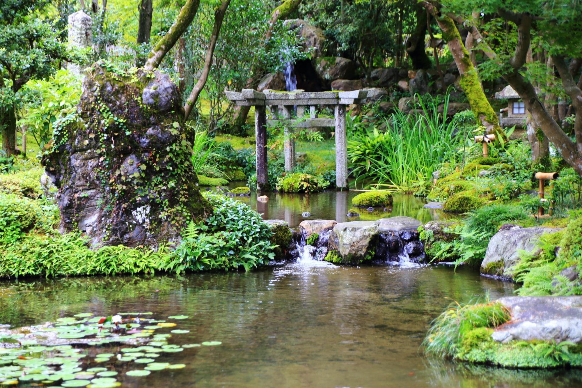 南禅寺大寧軒の珍しい三柱鳥居