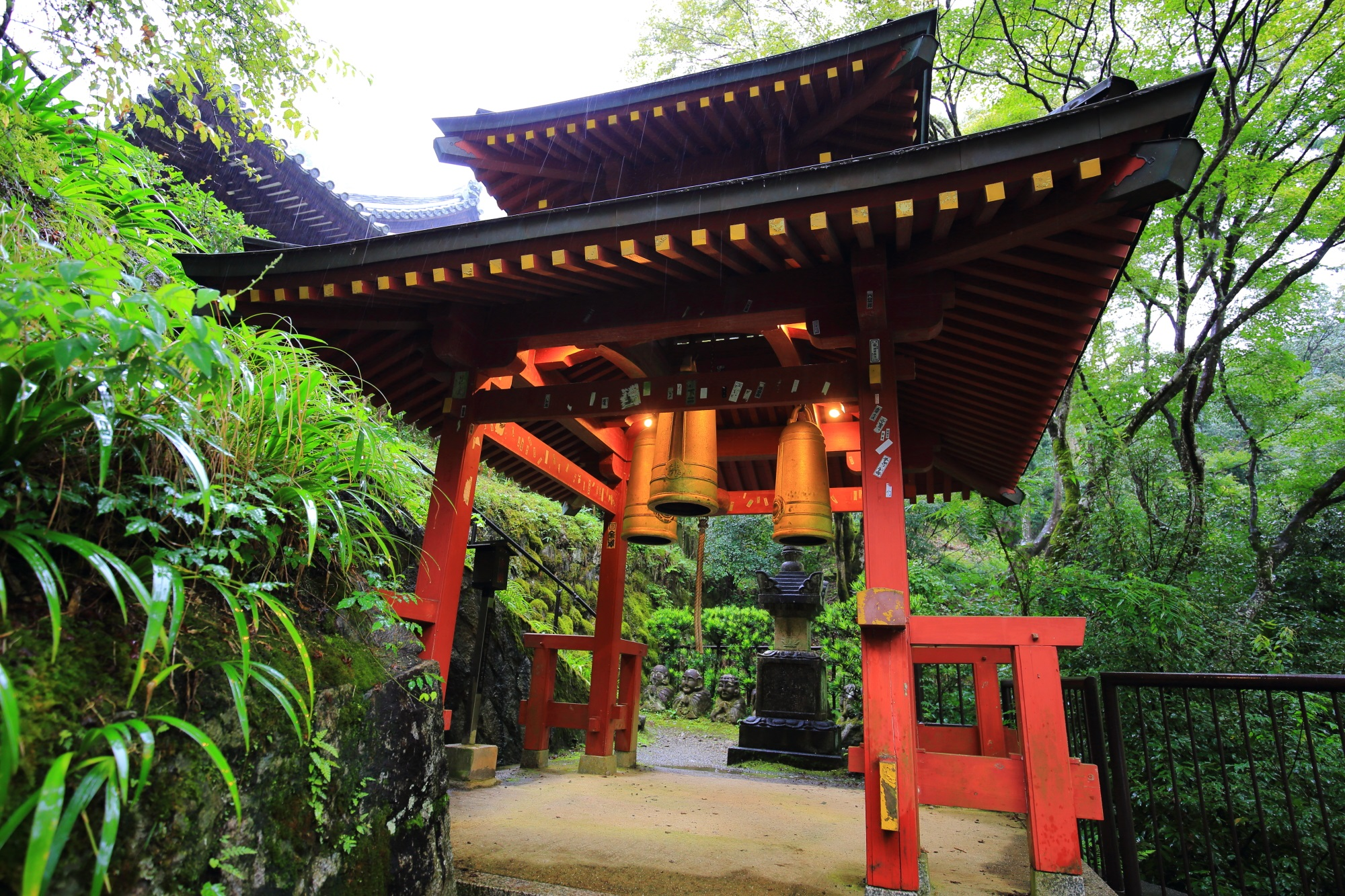 愛宕念仏寺の三宝の鐘