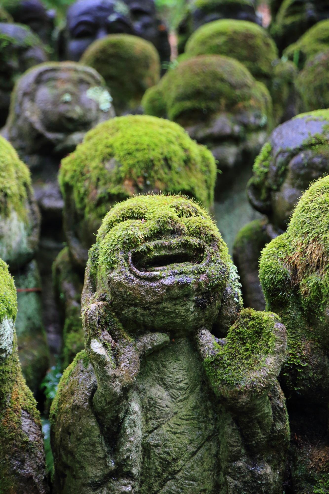 愛宕念仏寺の表情豊かな千二百羅漢