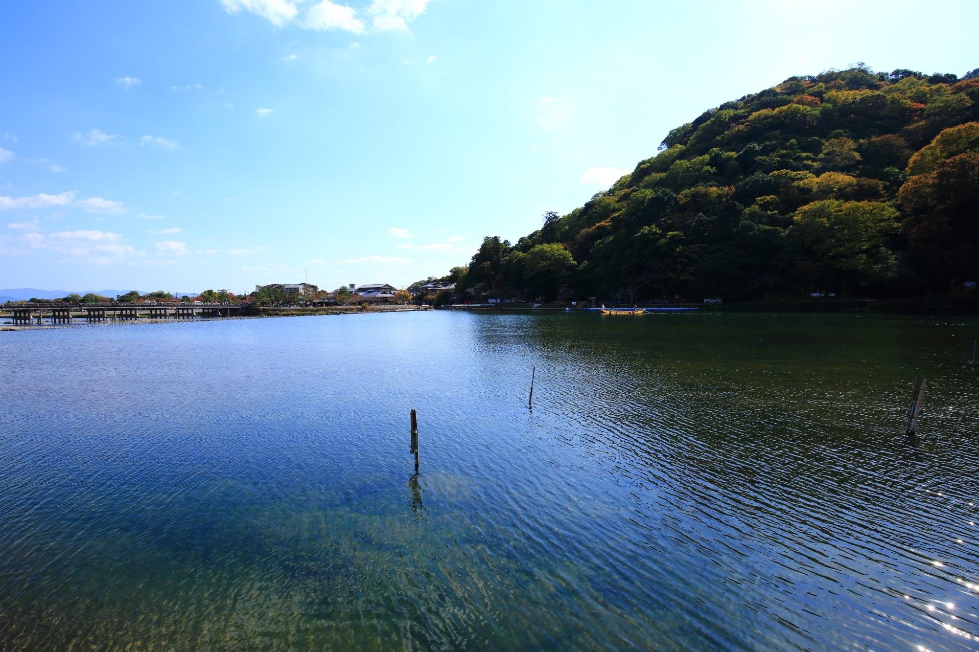 美しい桂川と渡月橋