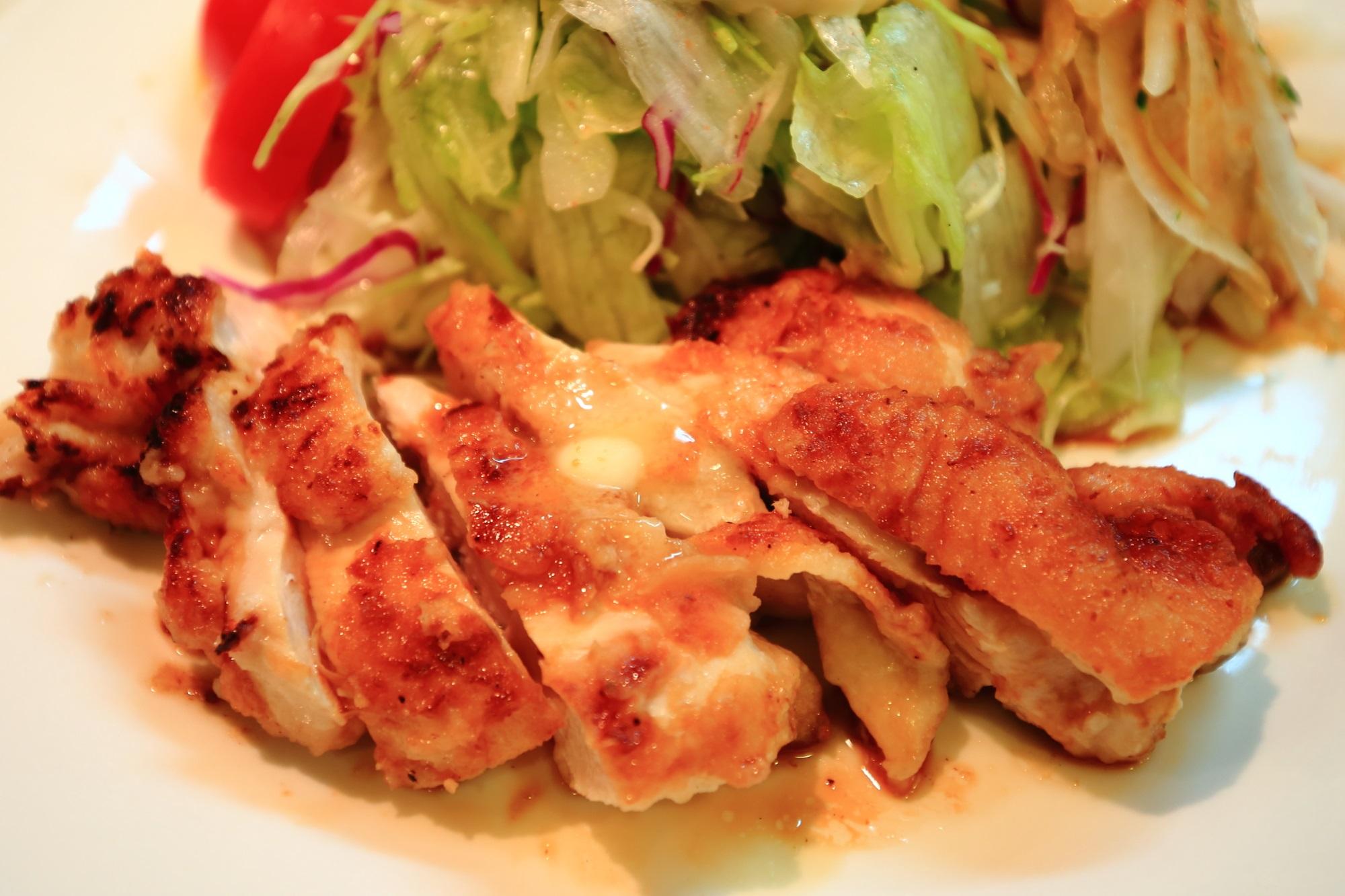 若鶏 グリルチキン 美味しい サラダの店 サンチョ