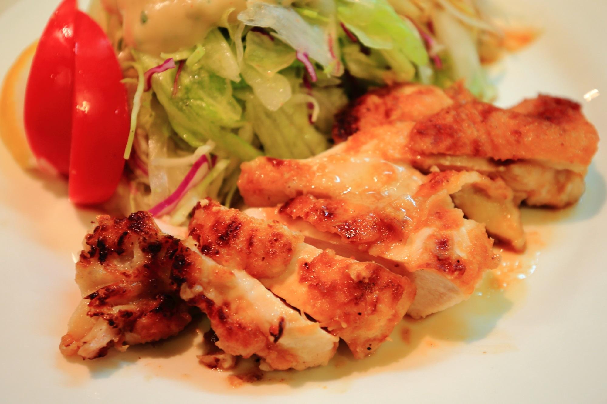 サラダの店サンチョ 安くて旨い 若鶏のグリルチキンとサラダ