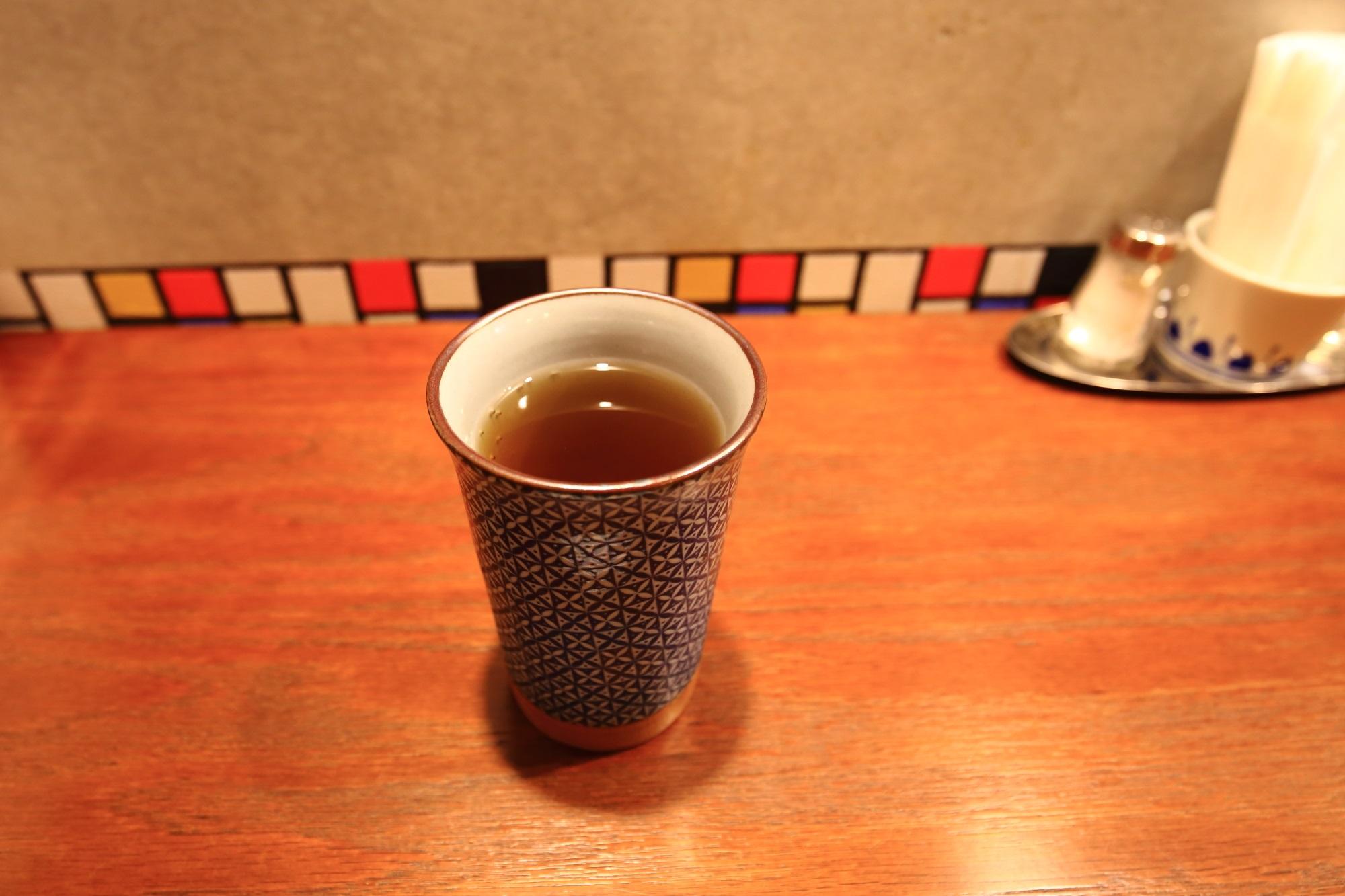 佰食屋 すき焼き専科のお茶