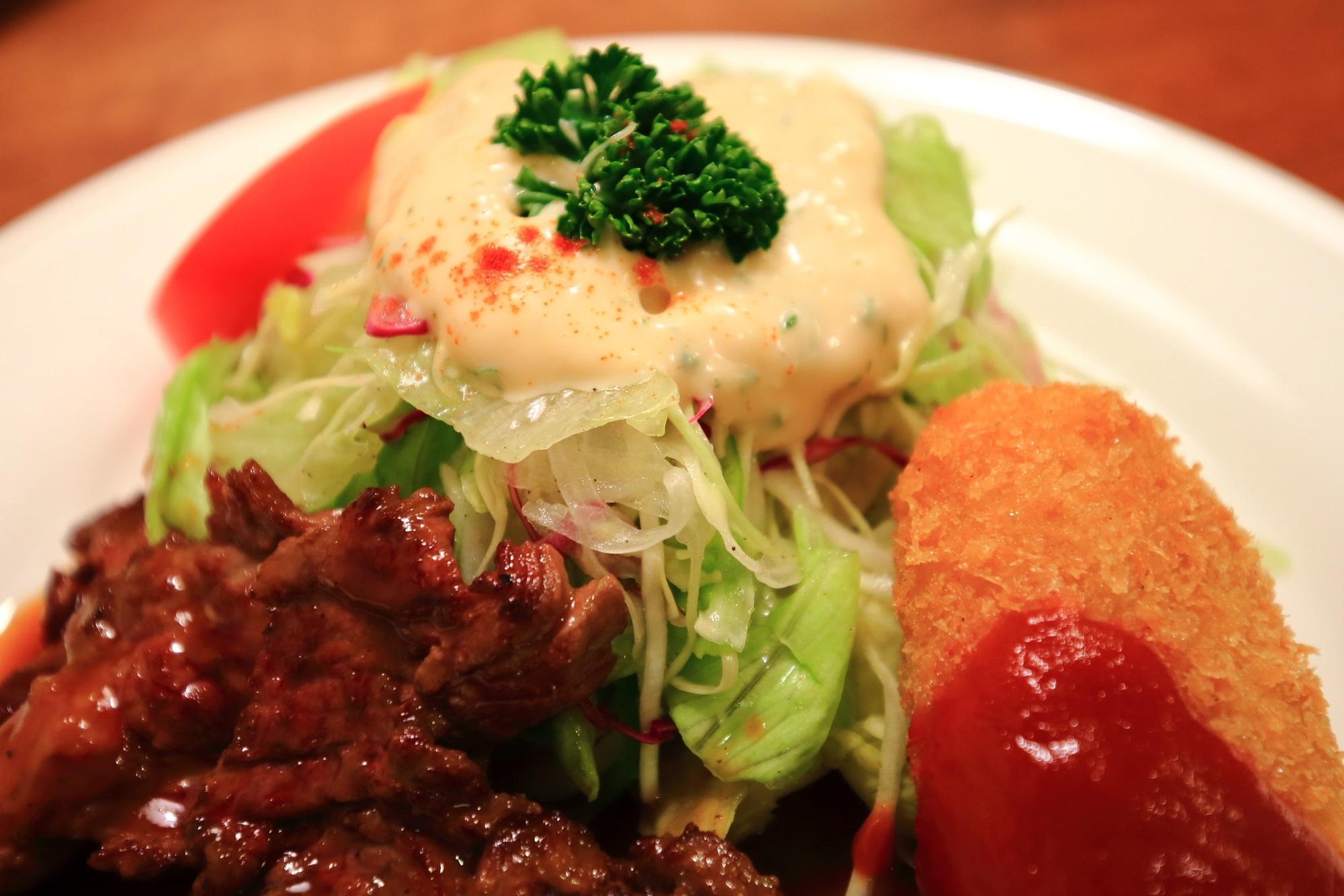 京都のうまい店のサラダの店サンチョ河原町本店のテリコロランチのサラダ