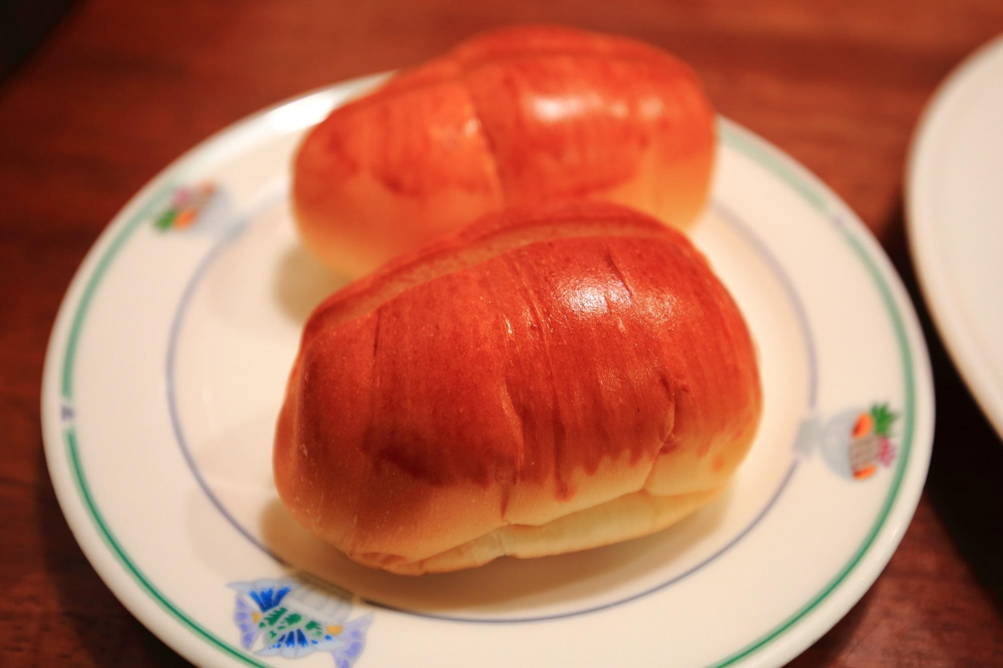 サラダの店サンチョ河原町本店のテリコロランチのパン