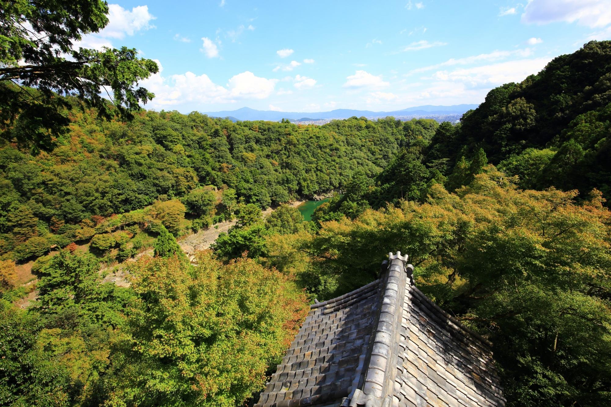 嵐山の大悲閣 千光寺ら眺める絶景の緑と空と青もみじ 2015年10月6日