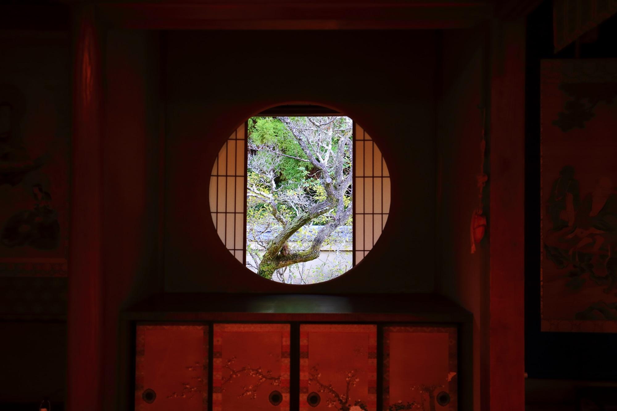 御寺泉涌寺別院の雲龍院の悟りの窓