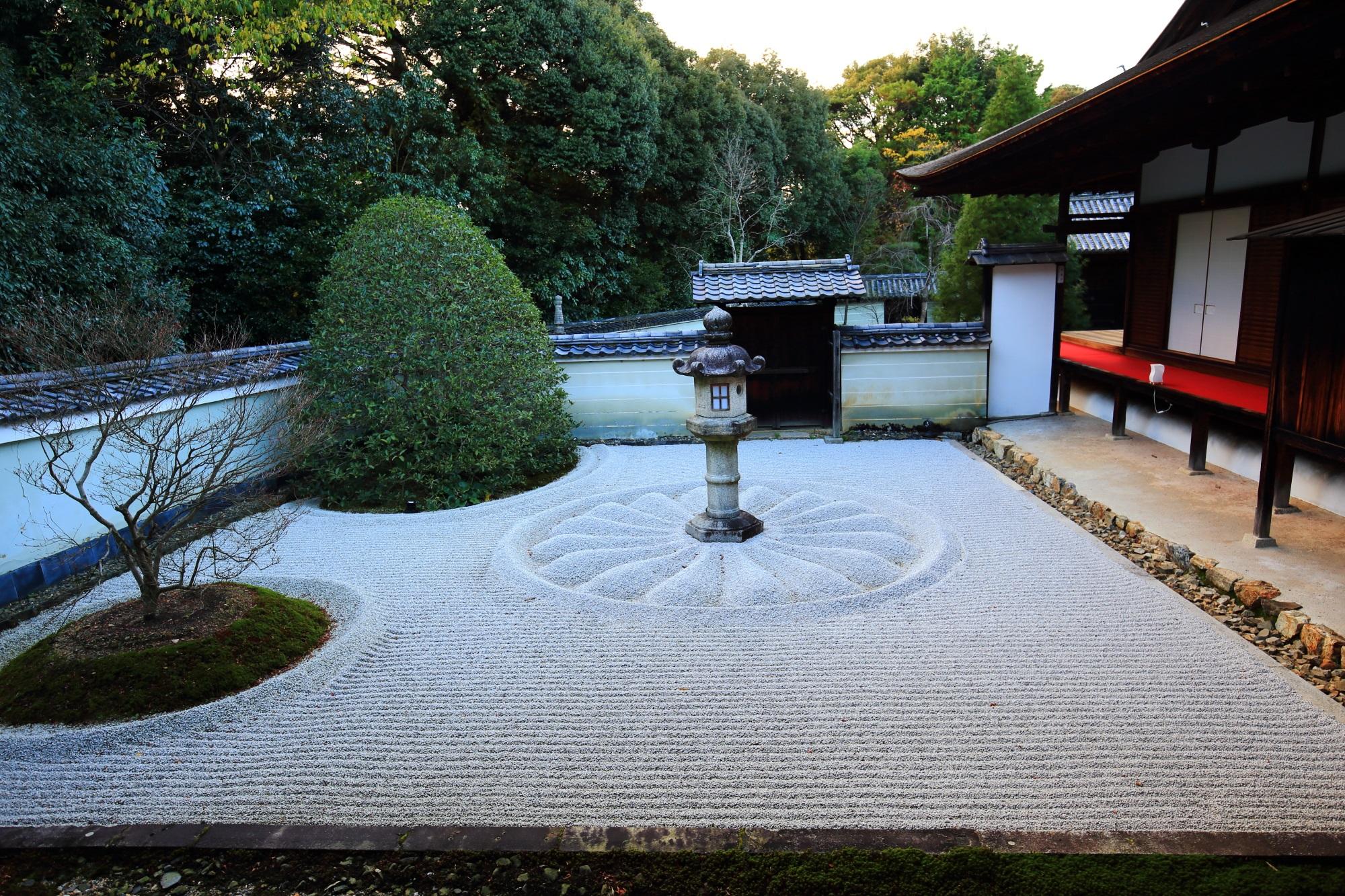 泉涌寺別院の雲龍院の霊明殿