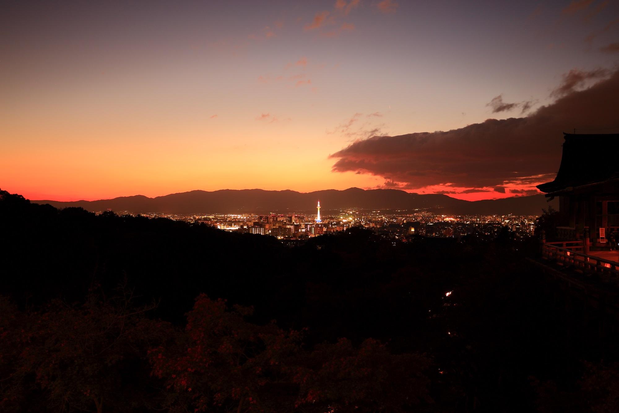 京都タワー 夕焼け 清水寺 幻想的 紅葉