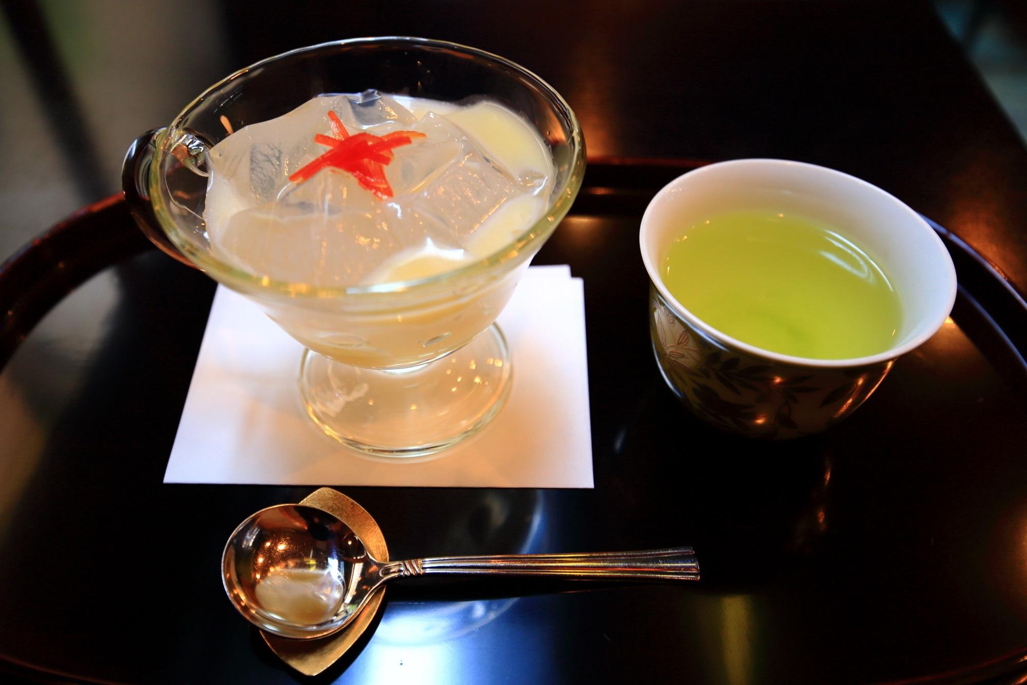 1月の白味噌味の琥珀流し(税込660円)