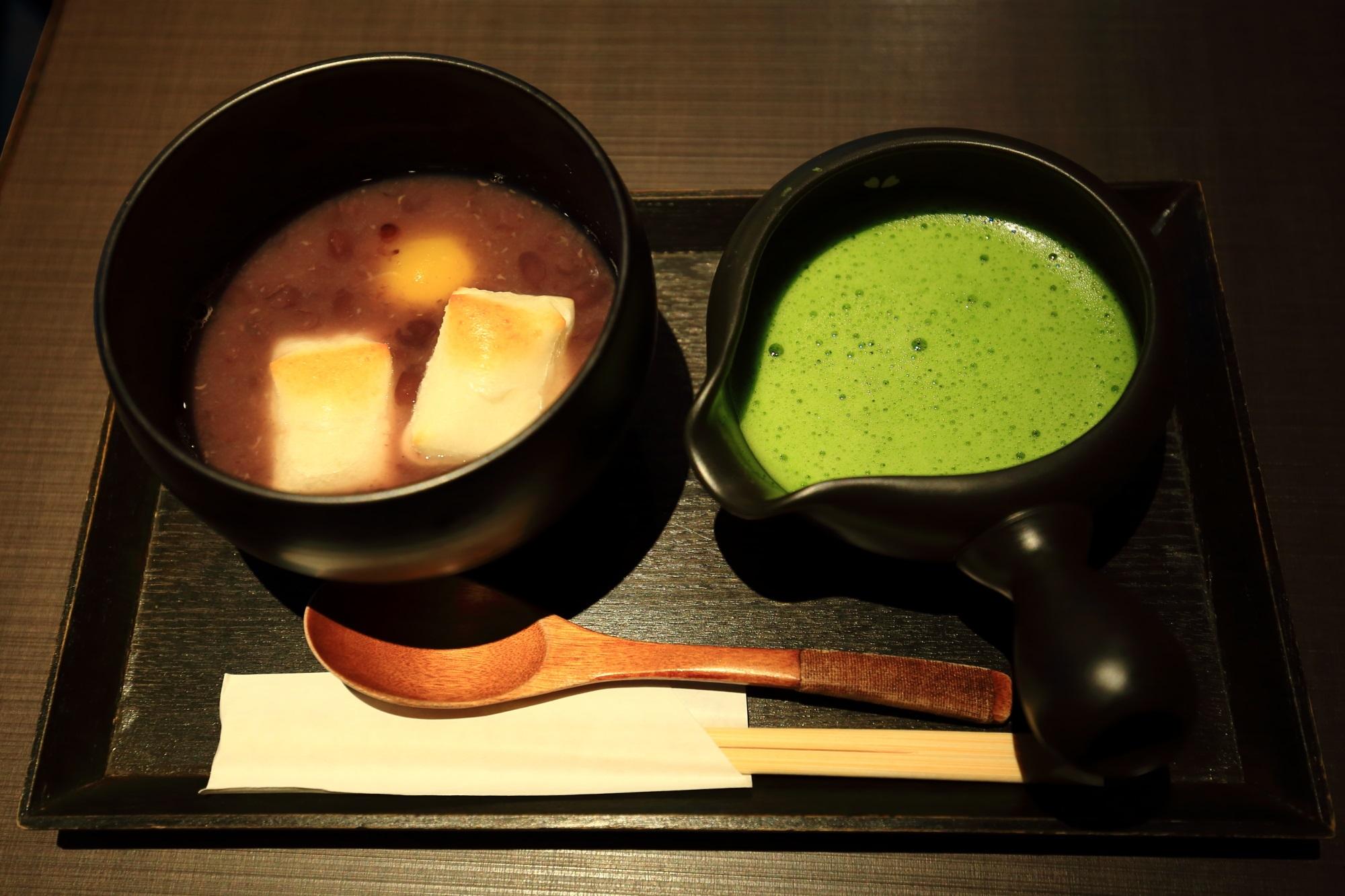 人気の甘味処の茶寮翠泉(さりょうすいせん)の栗抹茶ぜんざい