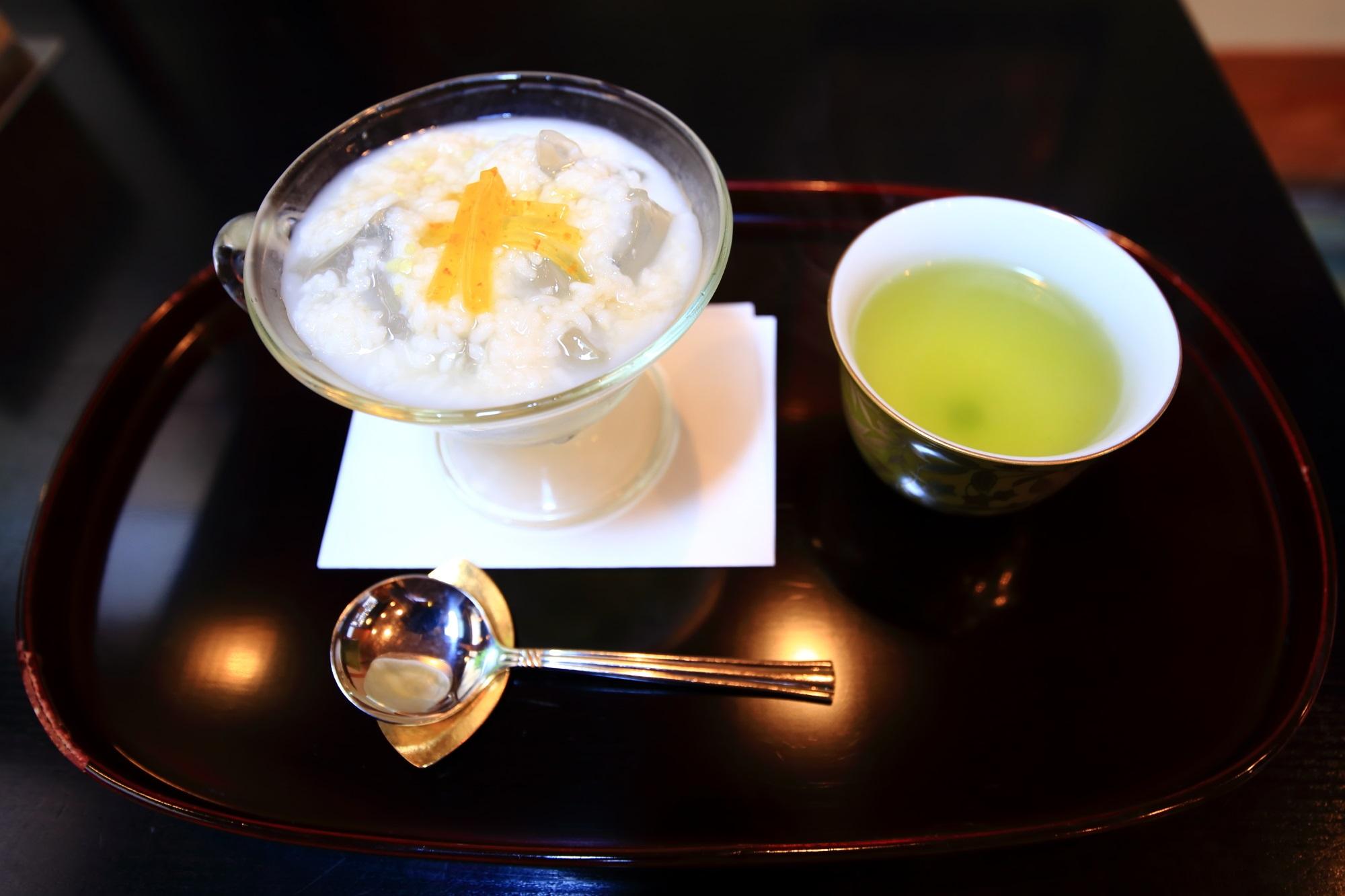 3月の甘酒味の琥珀流し(税込660円)