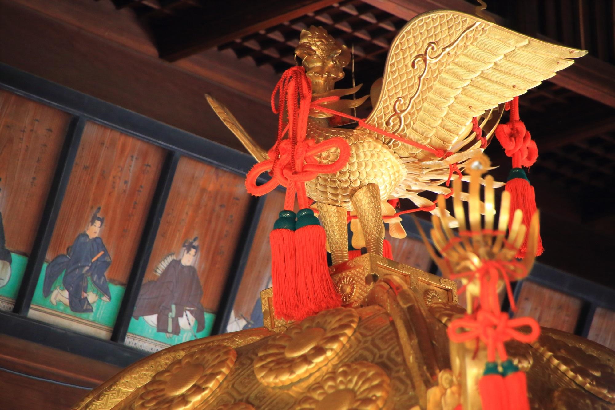 上御霊神社の御神輿の綺麗な鳥