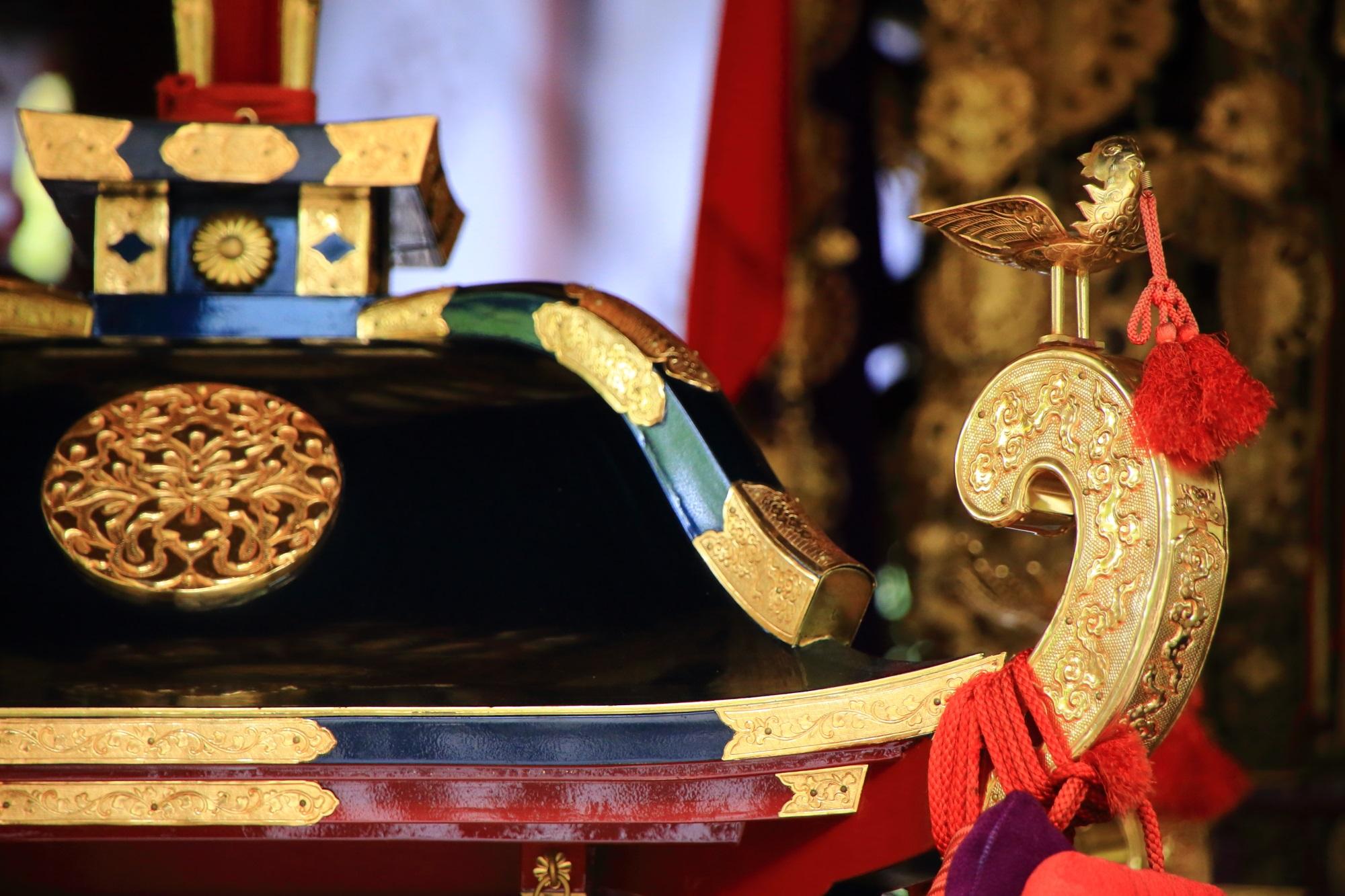 非常に繊細な造りの上御霊神社の御神輿