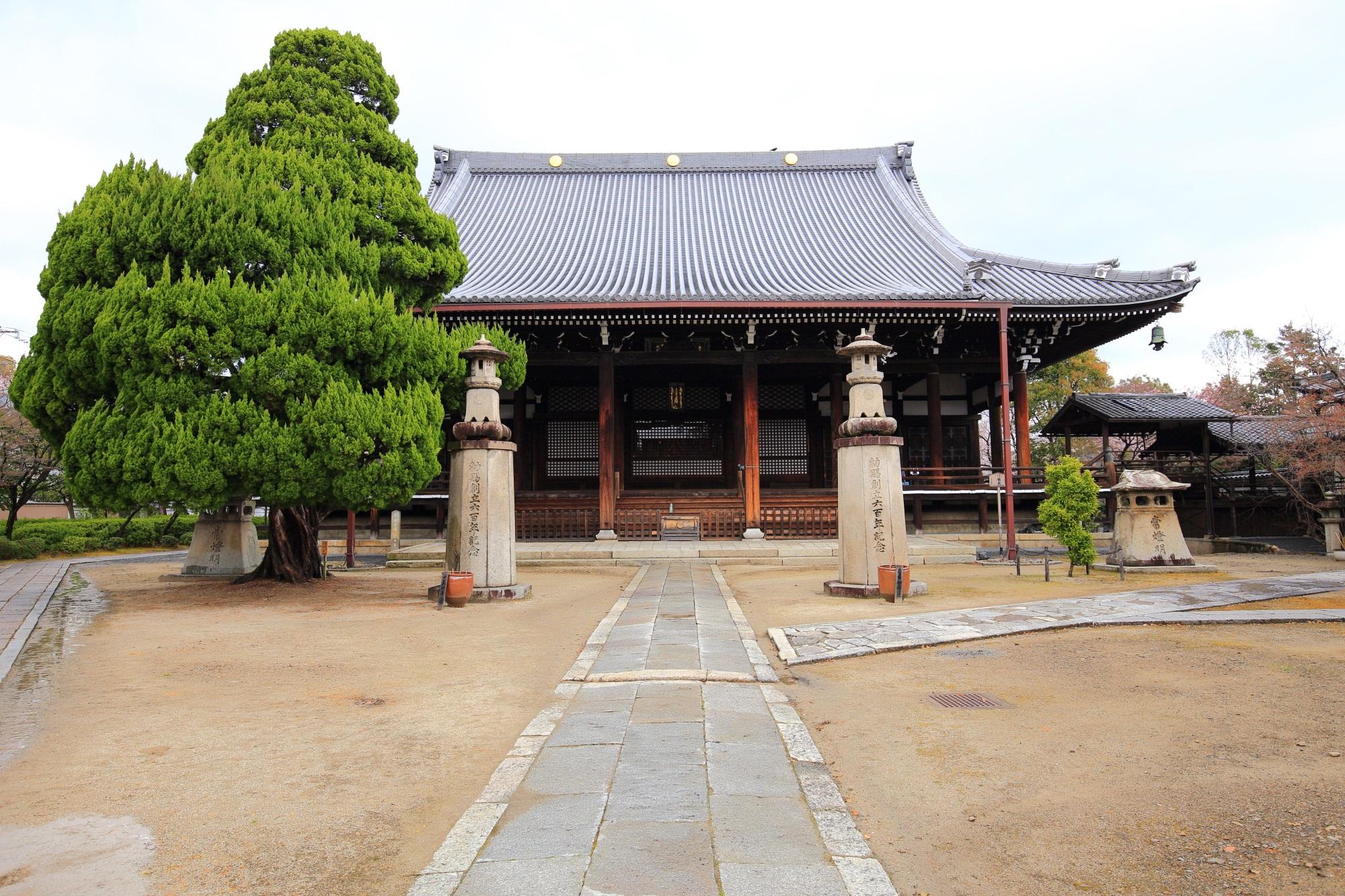 妙顕寺の本堂