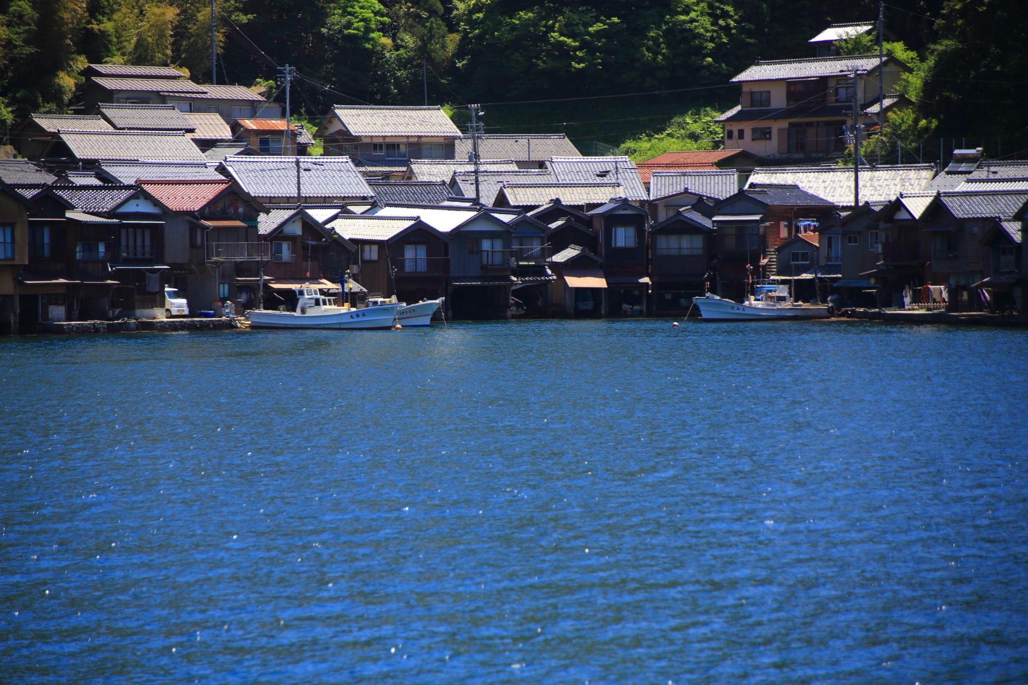 いつか海を見ながらご飯を食べてみたい伊根の舟屋