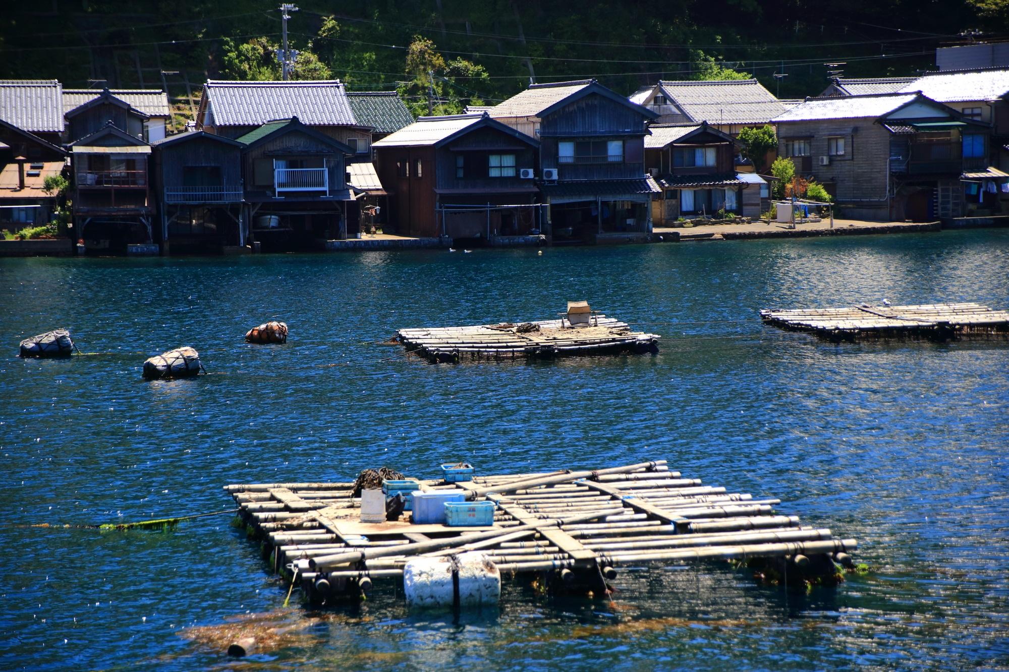 海と漁業の町の伊根