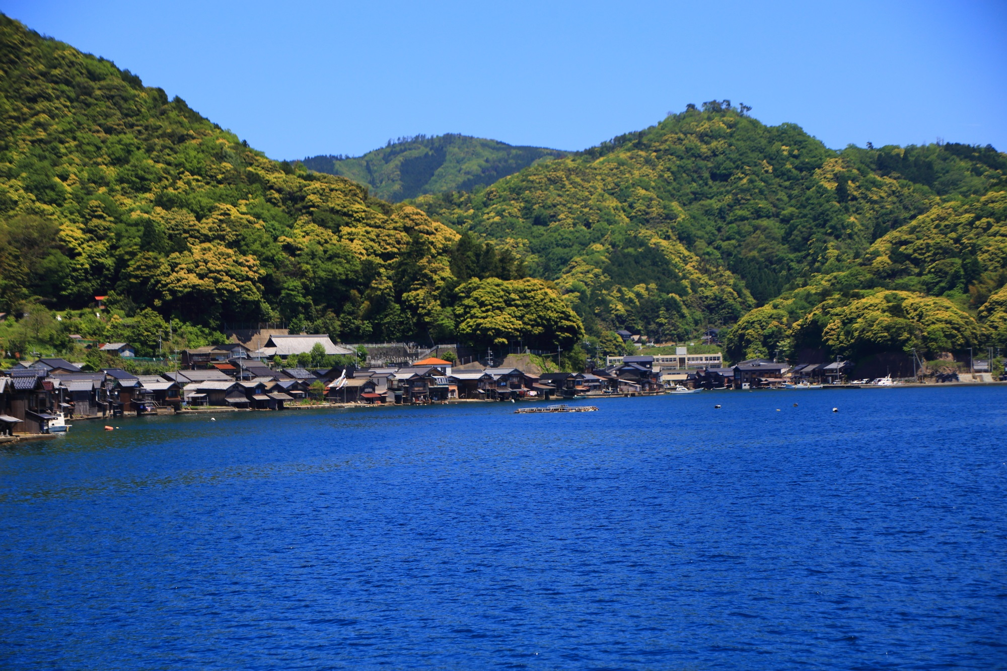 高画質 写真 伊根の舟屋