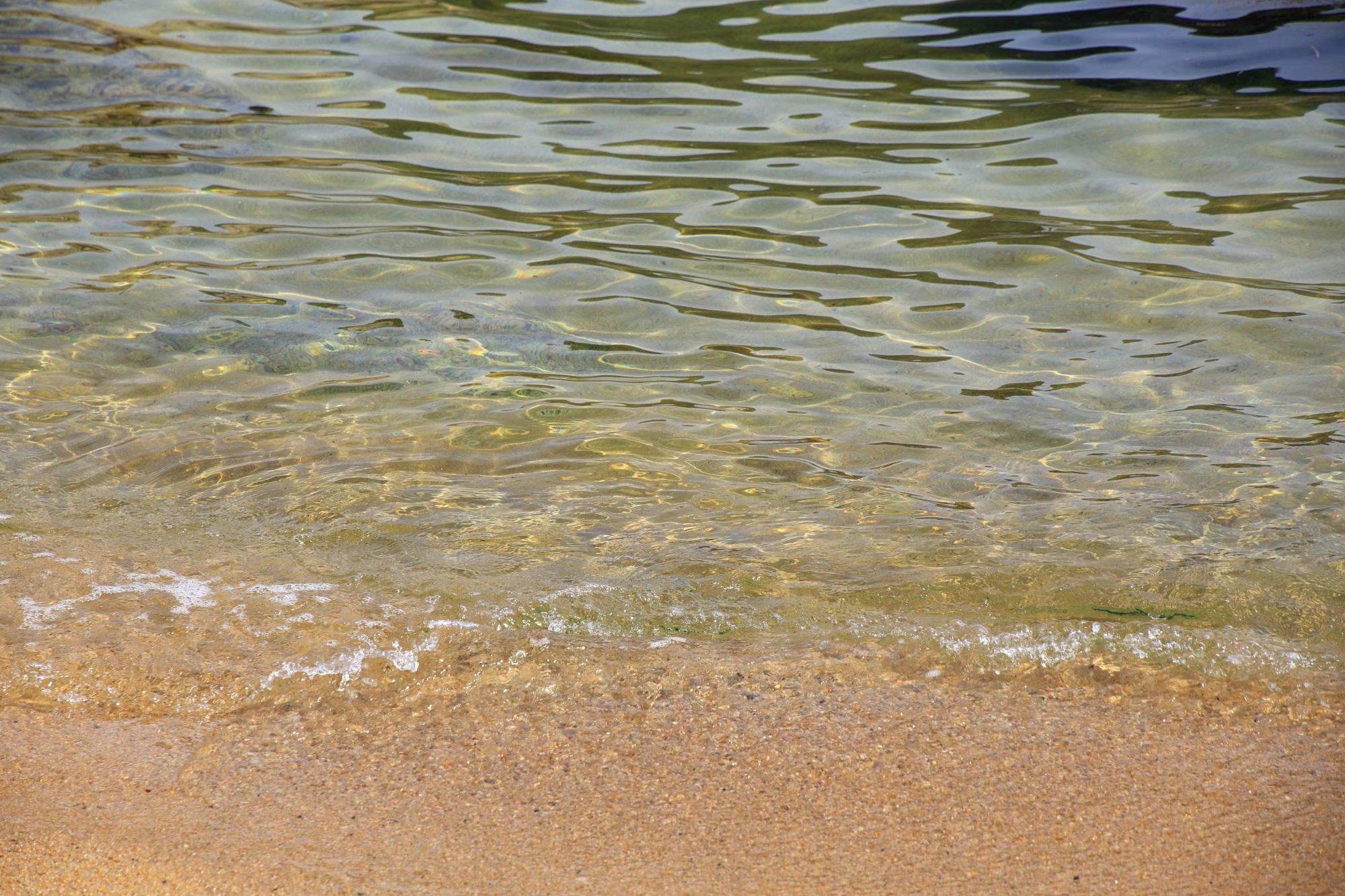 水の綺麗な宮津のおっぱま海岸