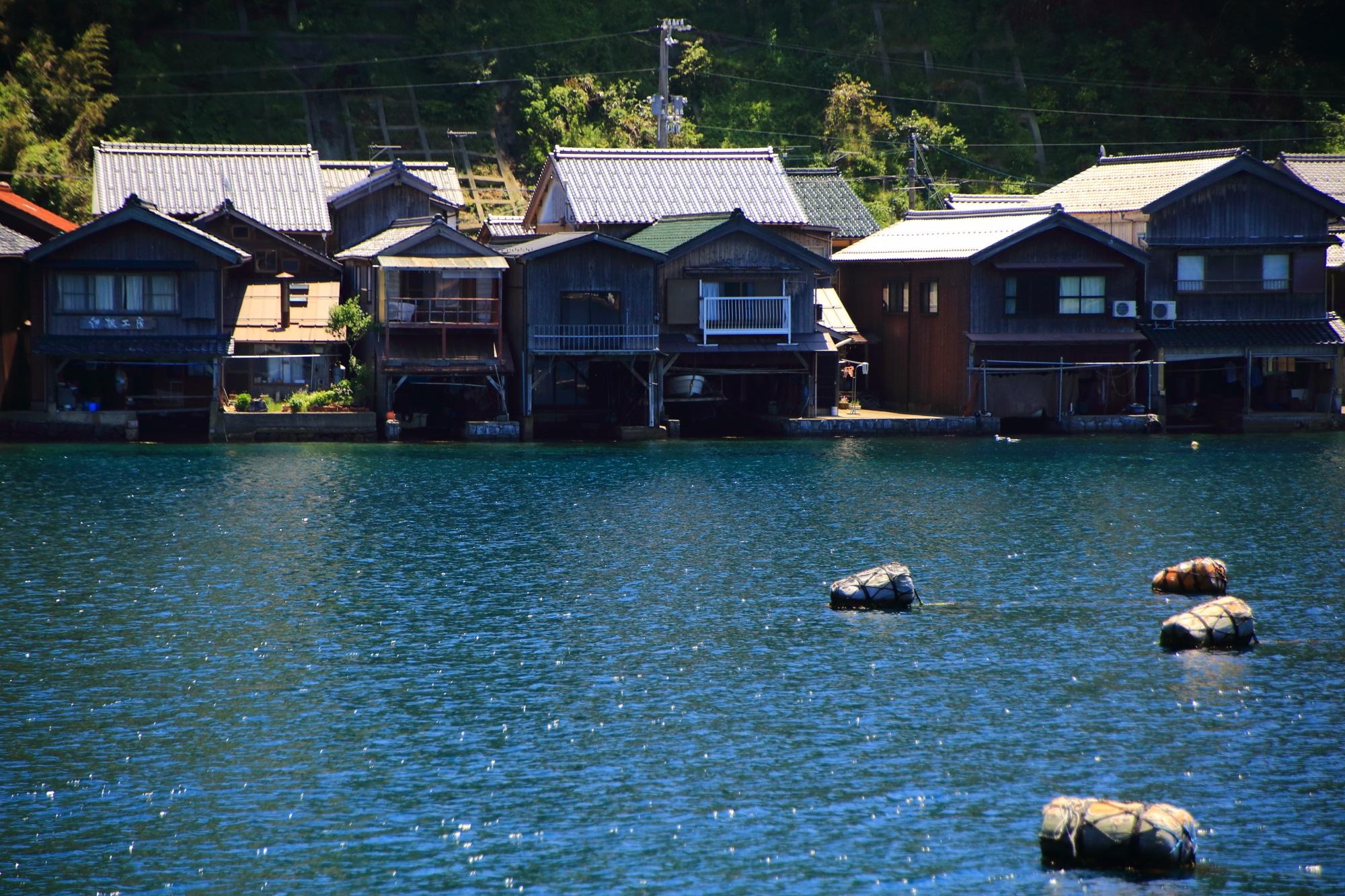 風情溢れる独特の伊根の舟屋