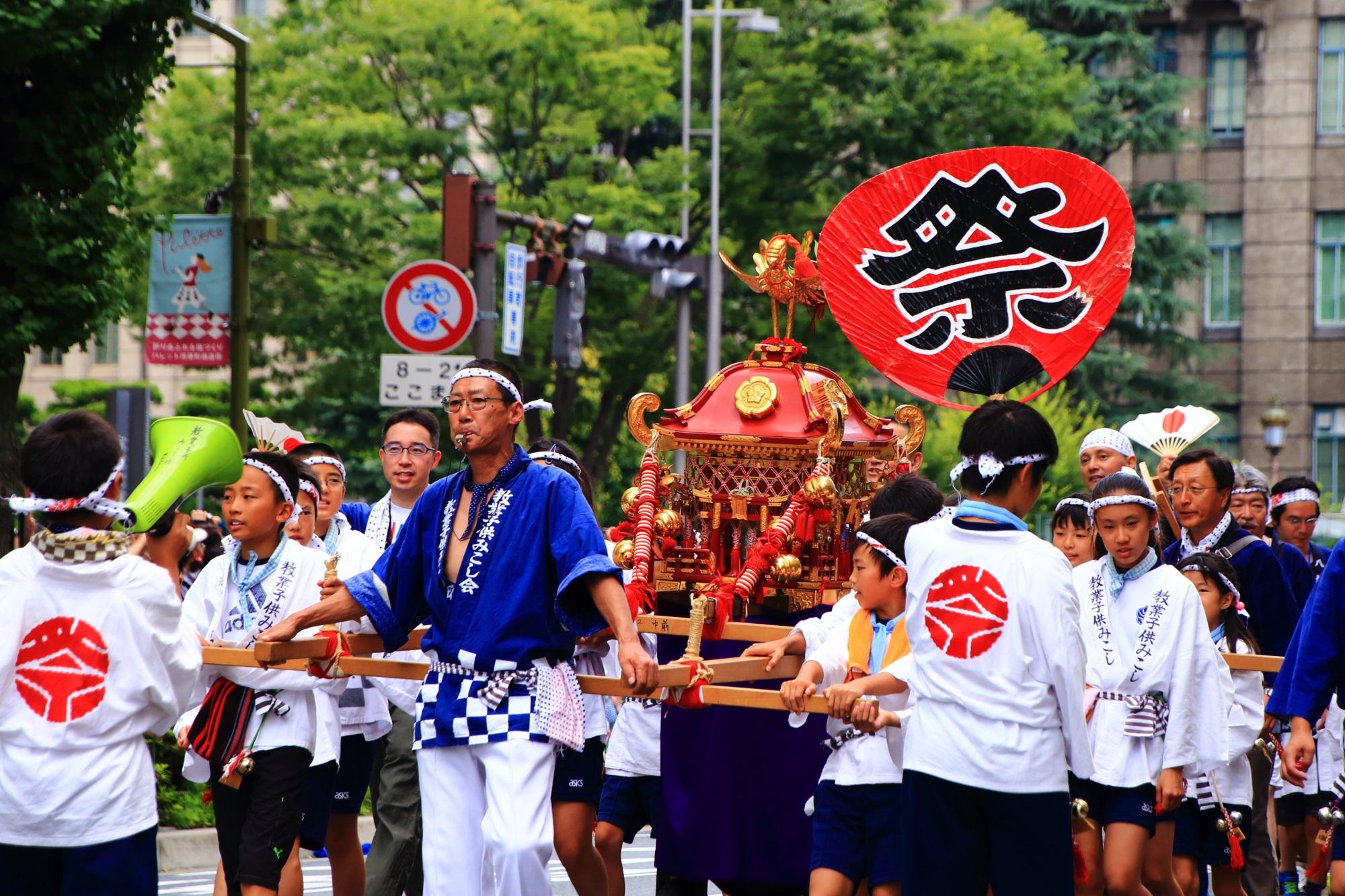 子供神輿 花傘巡行 祇園祭