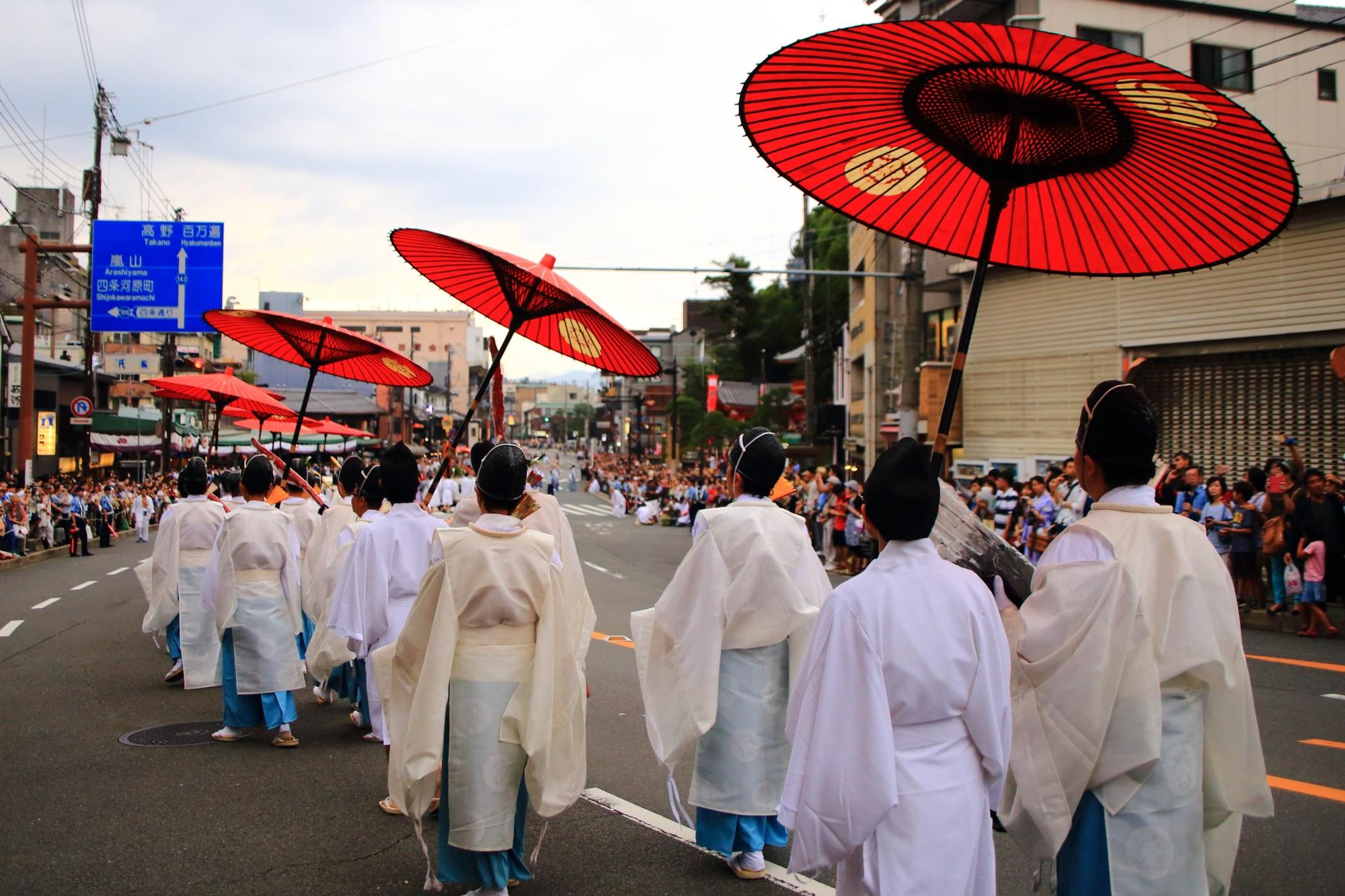 夏の風物詩の祇園祭の神幸祭