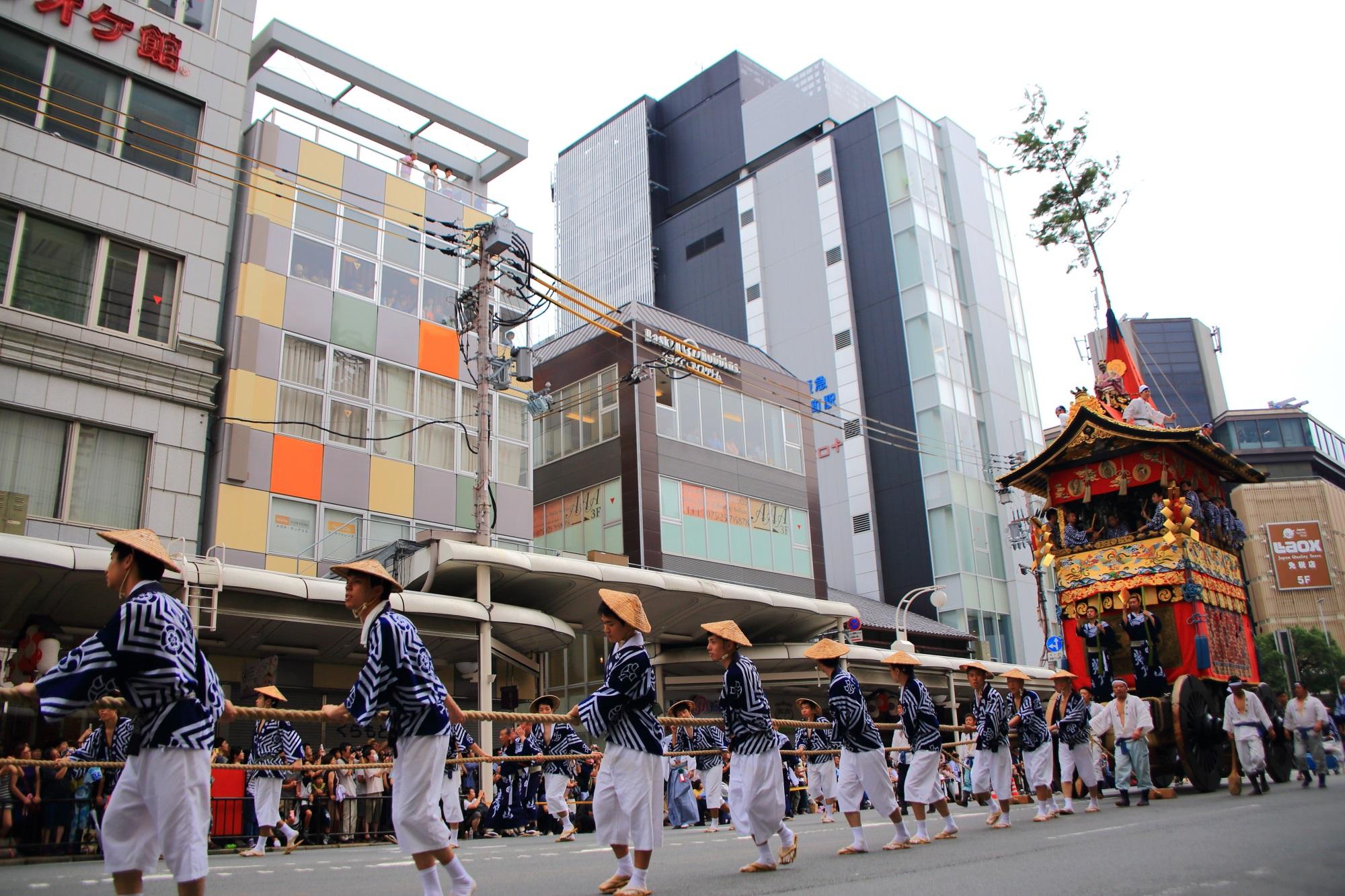 祇園祭の前祭の山鉾巡行の岩戸山
