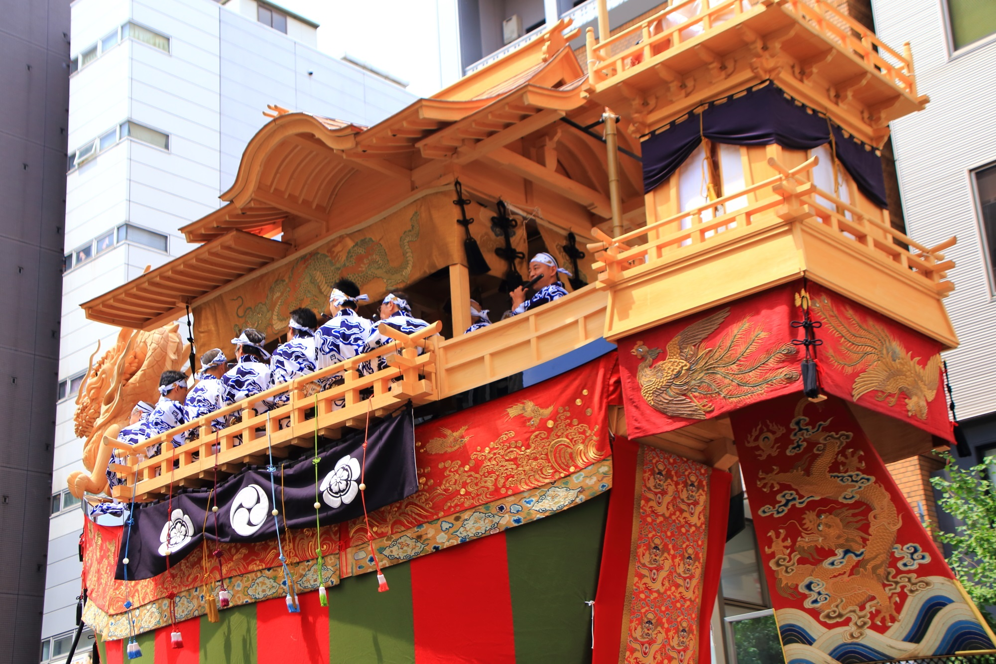 夏の風物詩の祇園祭後祭の山鉾巡行の人気の大船鉾