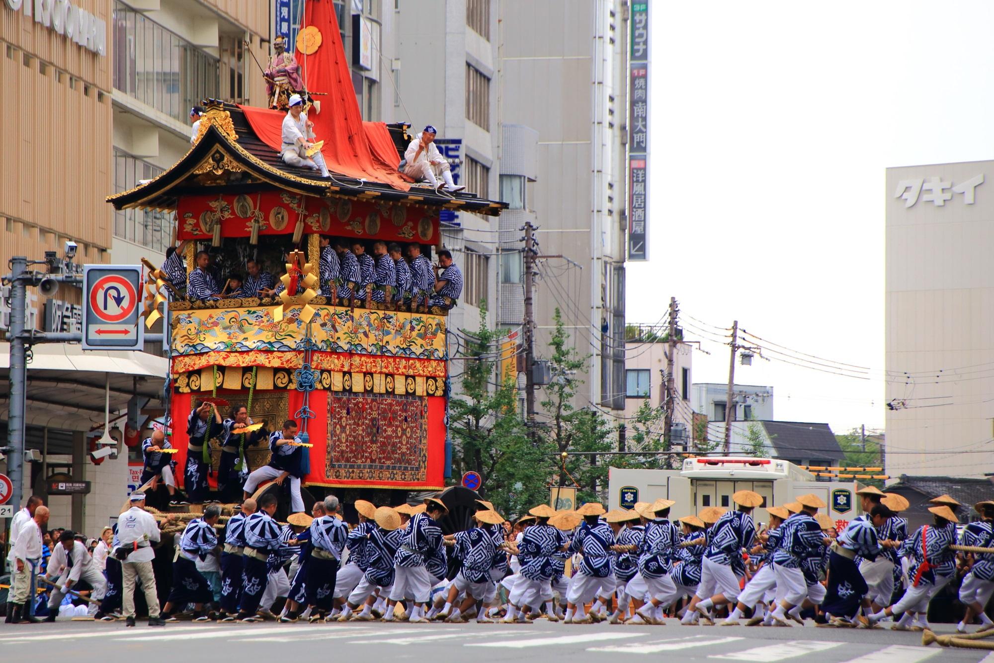 辻回し 山鉾巡行 祇園祭 岩戸山