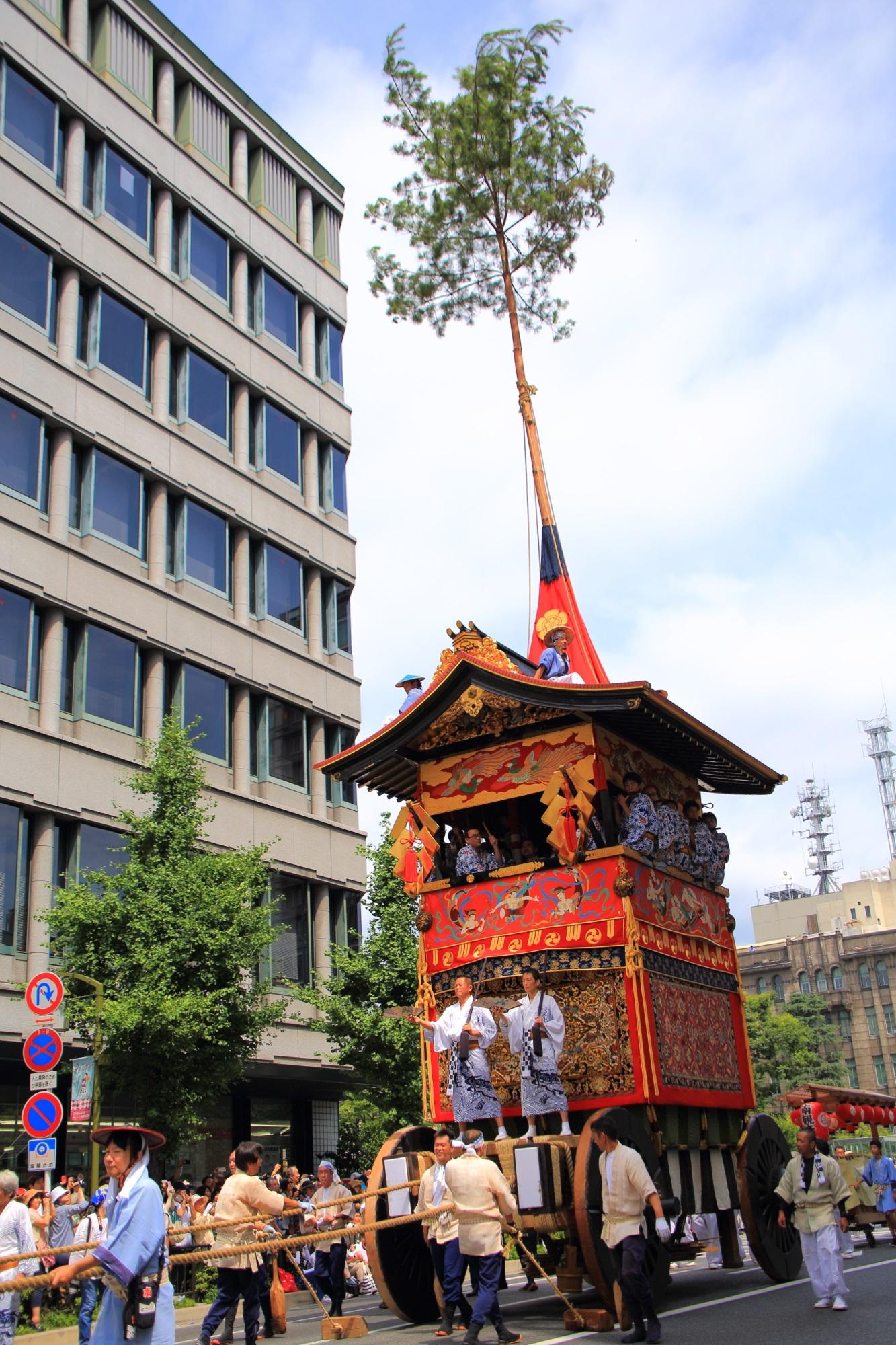 夏の風物詩の祇園祭後祭の山鉾巡行の南観音山