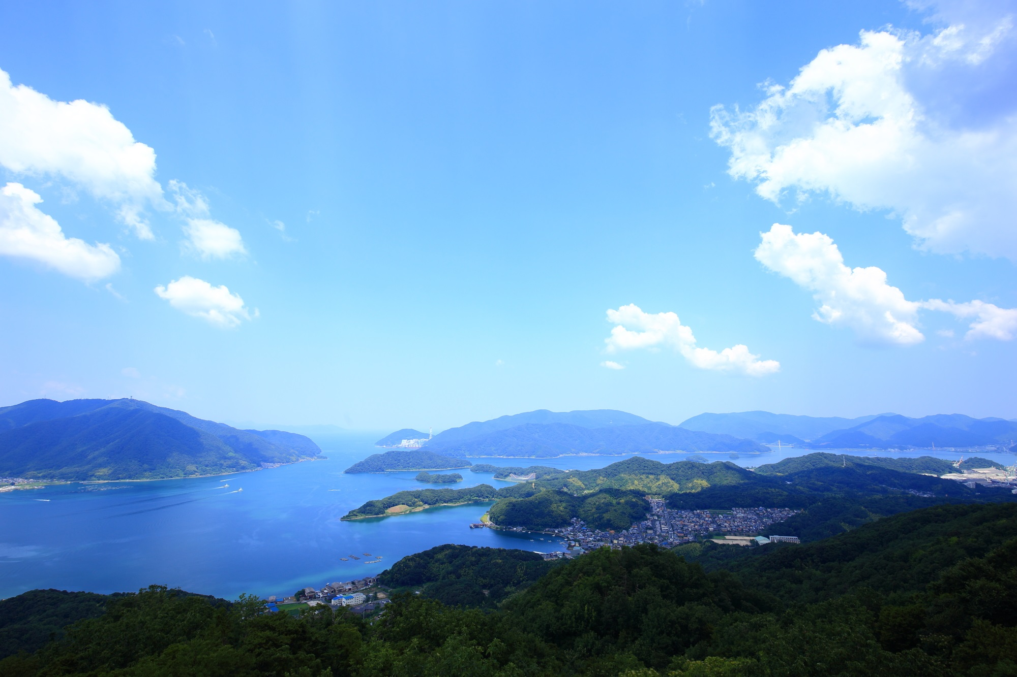 五老ヶ岳から眺めた舞鶴湾と山々