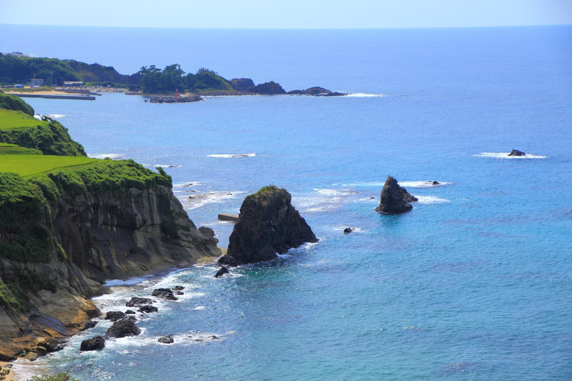 屏風岩と京丹後の海の素晴らしい情景