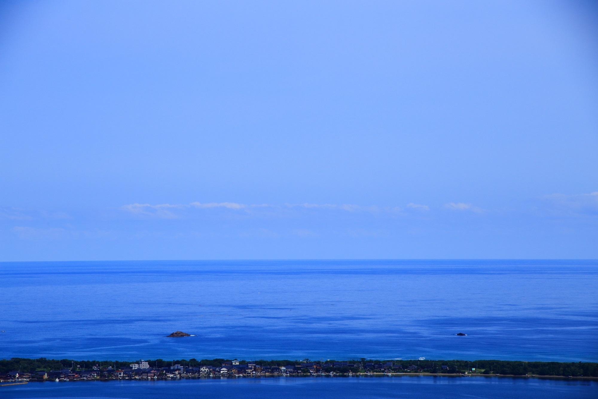 現実なのか何なのか分らなくなる日本海と久美浜湾の景色