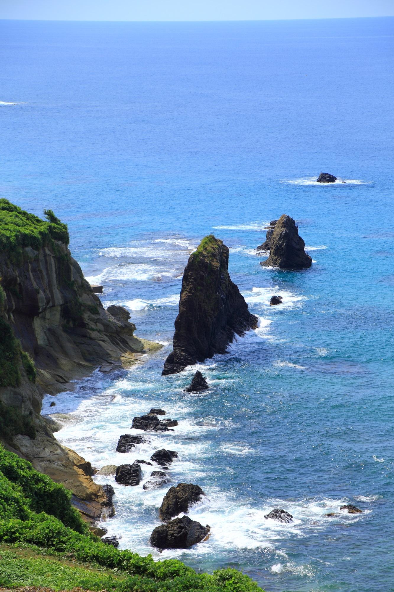 人間の及ばない自然や地球の力で出来た屏風岩