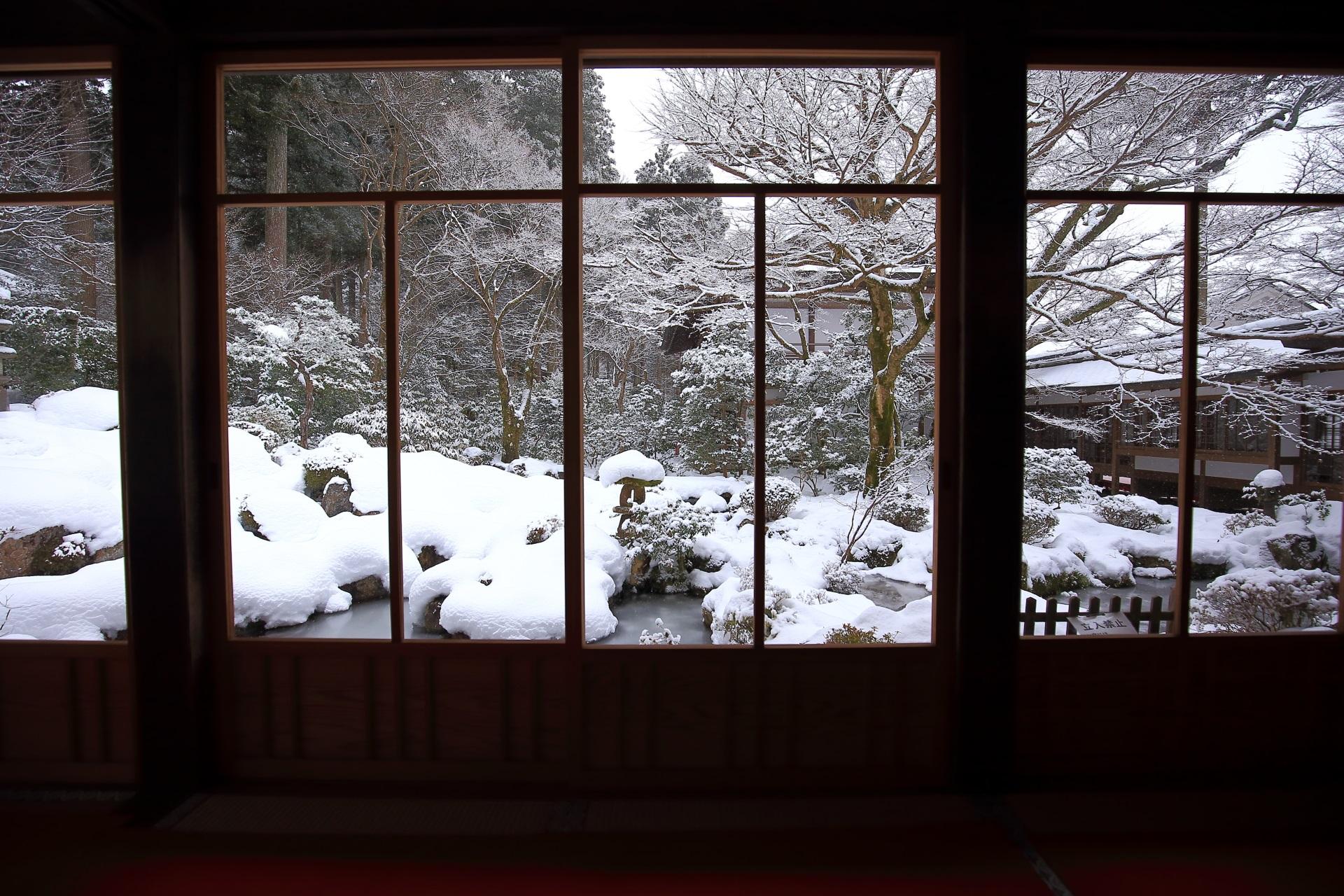 聚碧園の雪景色
