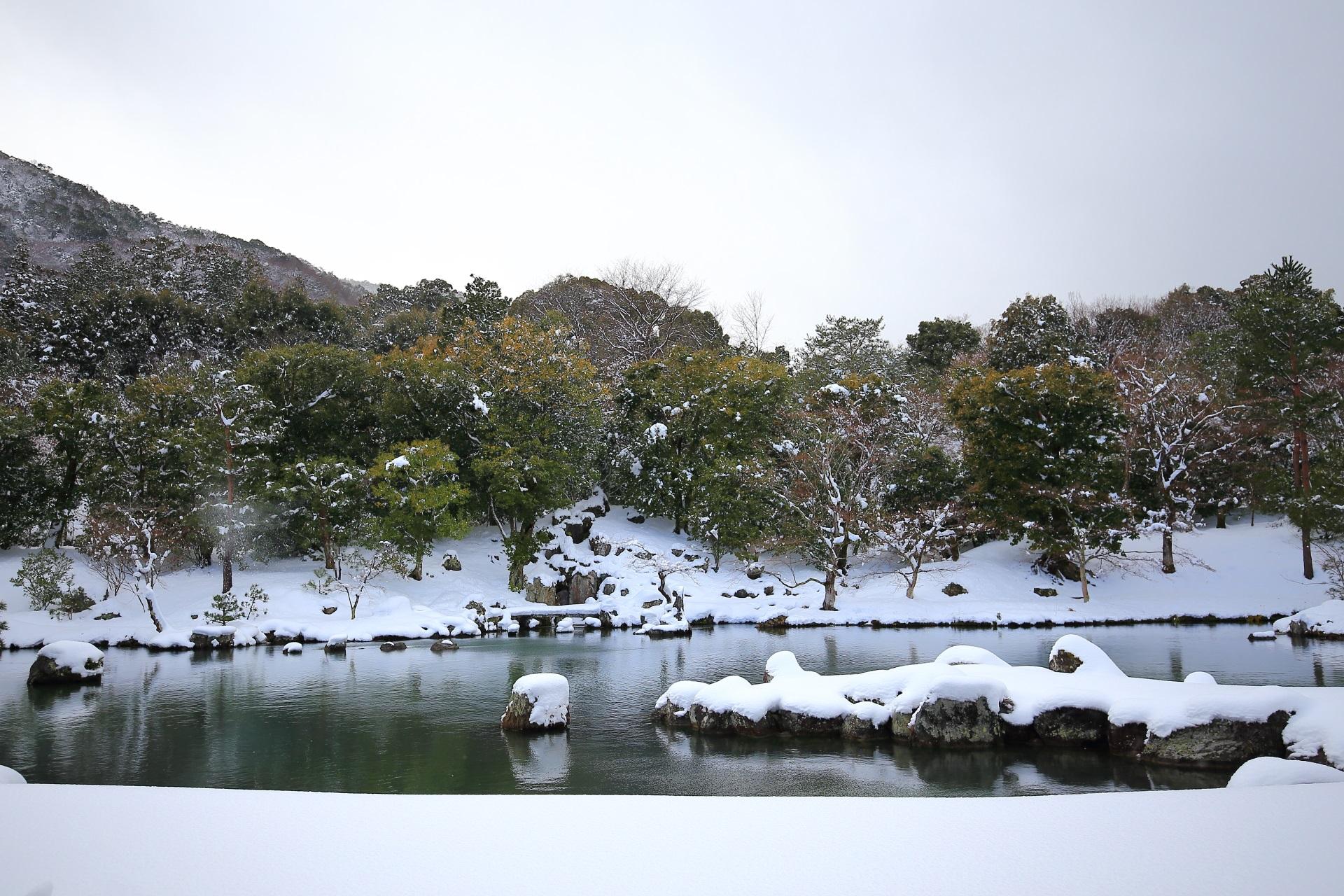 Kyoto Tenryuji-Temple snowy landscape