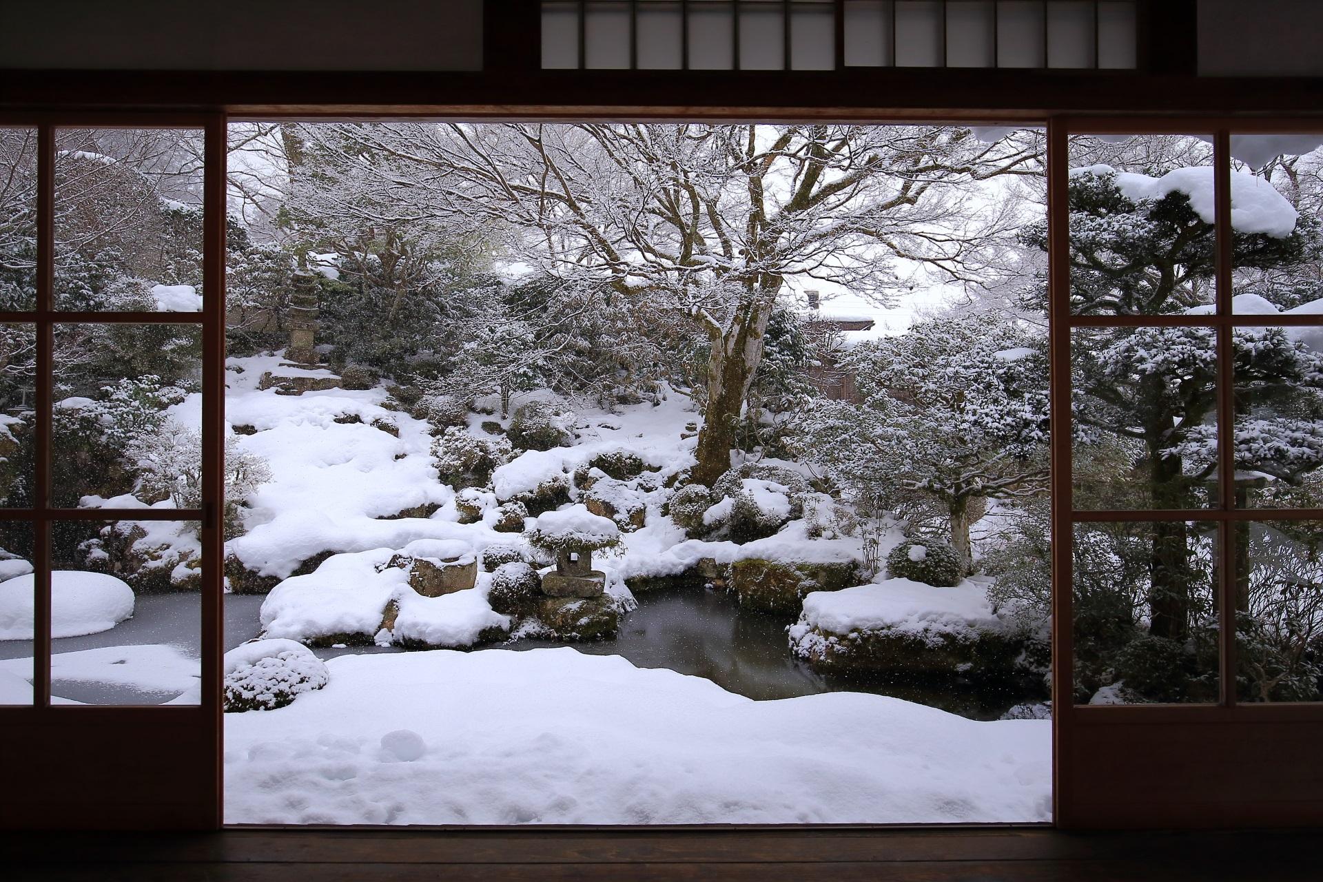 旧理覚院庭園の雪景色