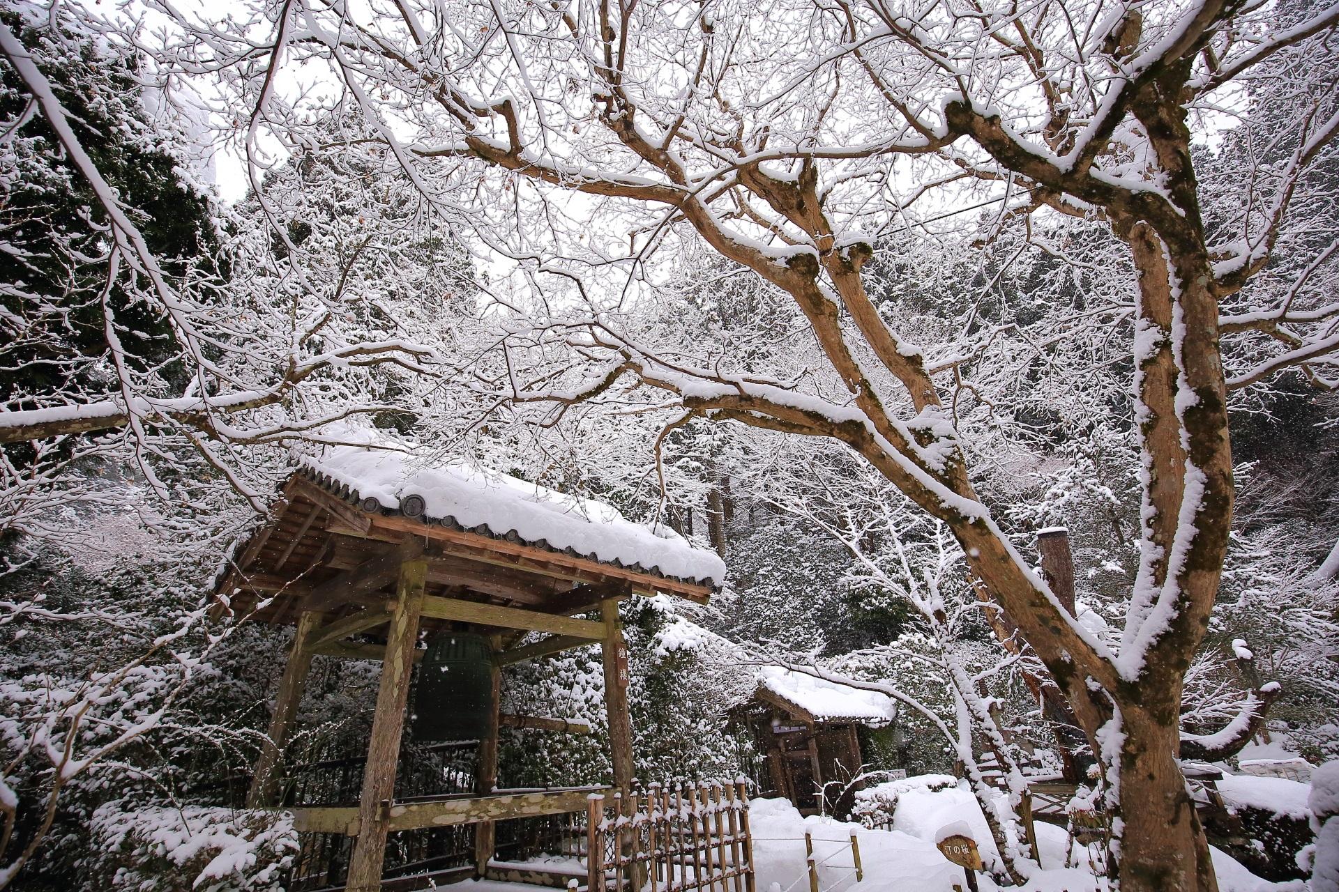 寂光院の素晴らしい雪景色