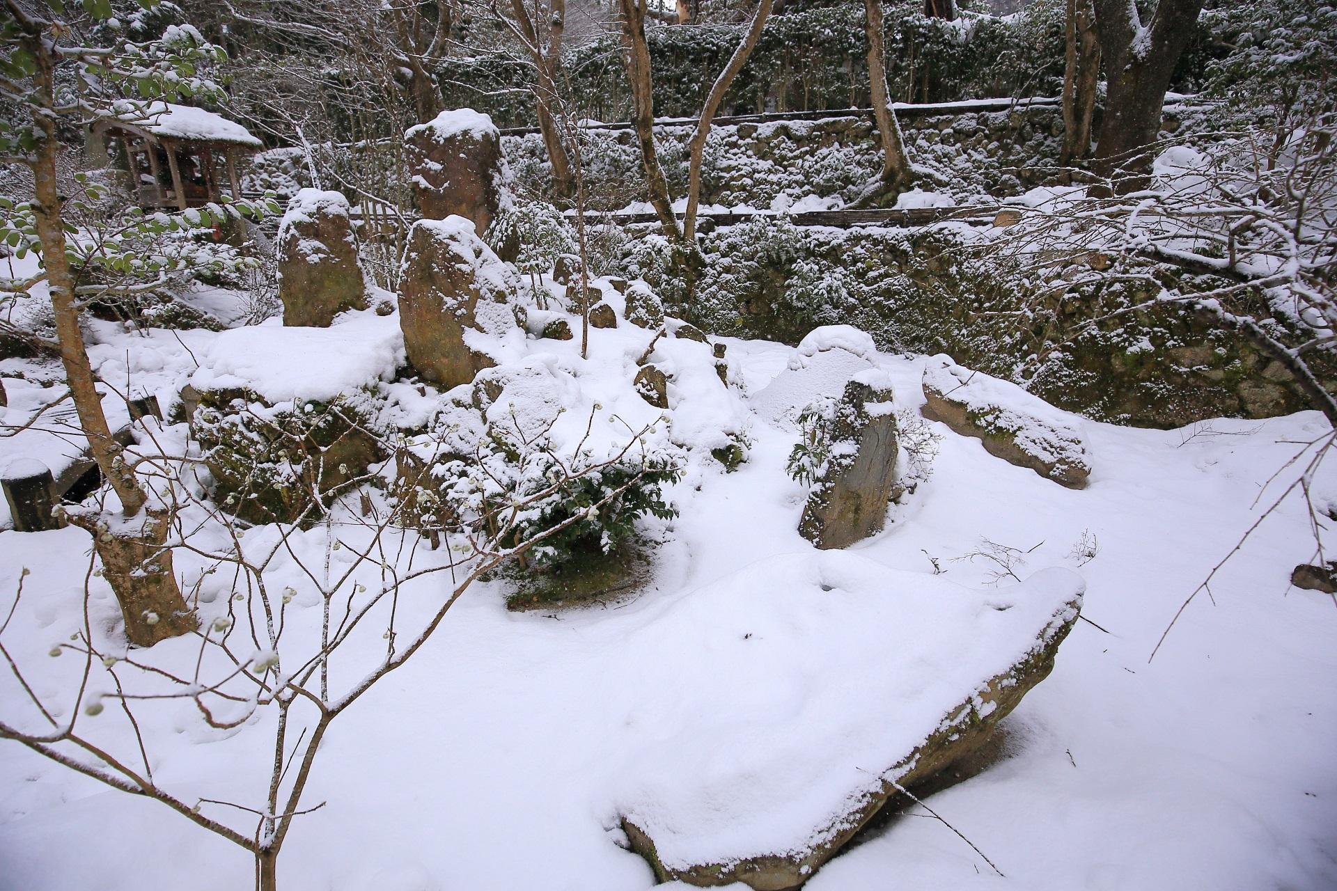 冬の宝泉院の白銀の宝楽園